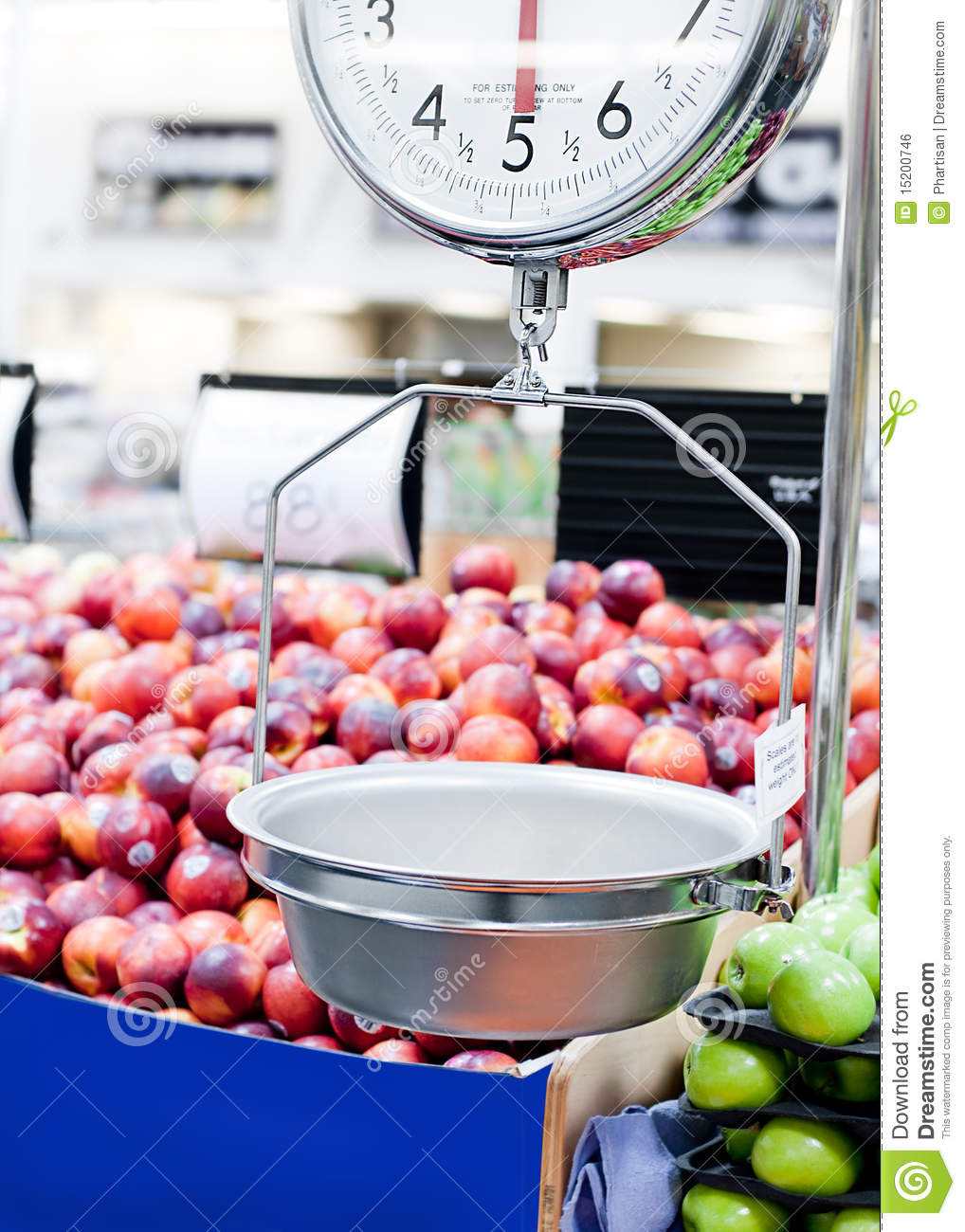 Weight Scale In Fruit And Veg Market Royalty Free Stock