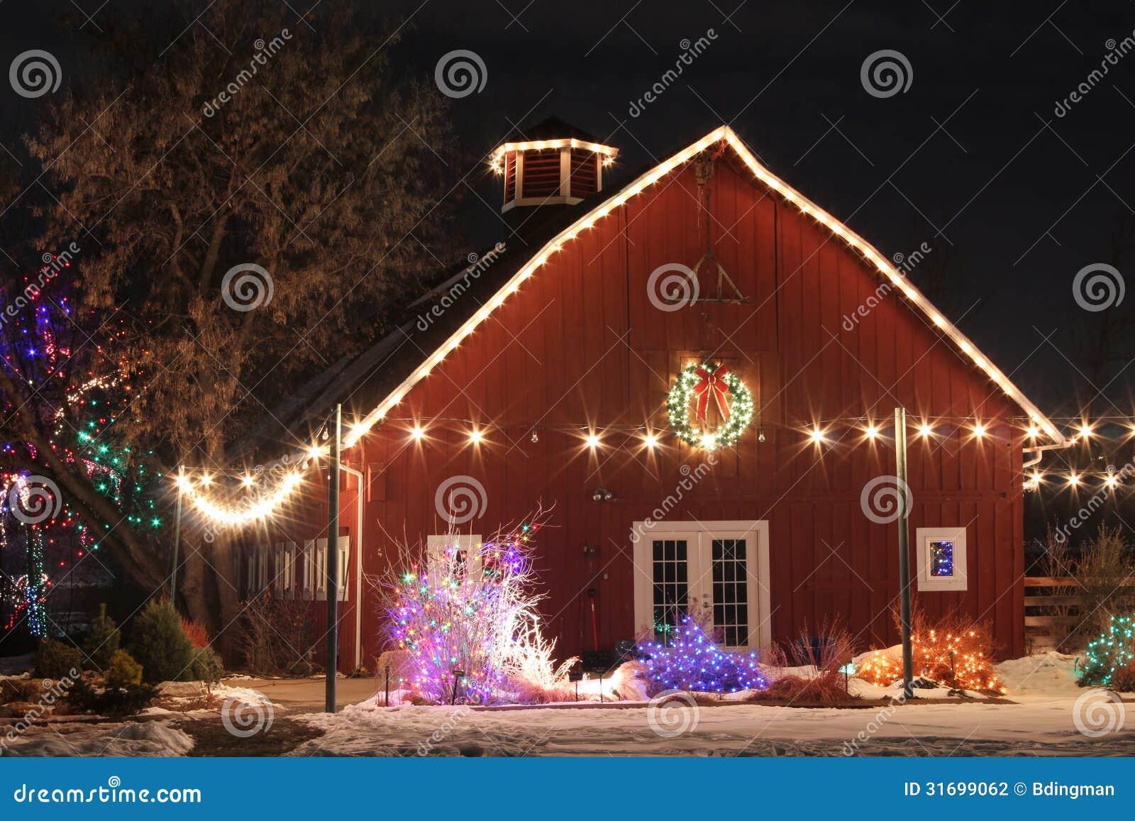 Weihnachten Auf Dem Bauernhof Stockfoto - Bild von gärten, spur ...