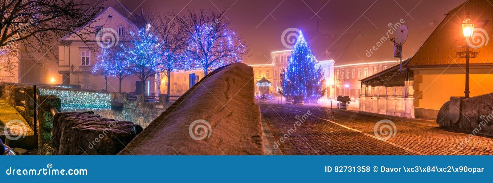 Weihnachten In Kroatien.Weihnachten Licht Samobor Kroatien Redaktionelles Stockfoto Bild