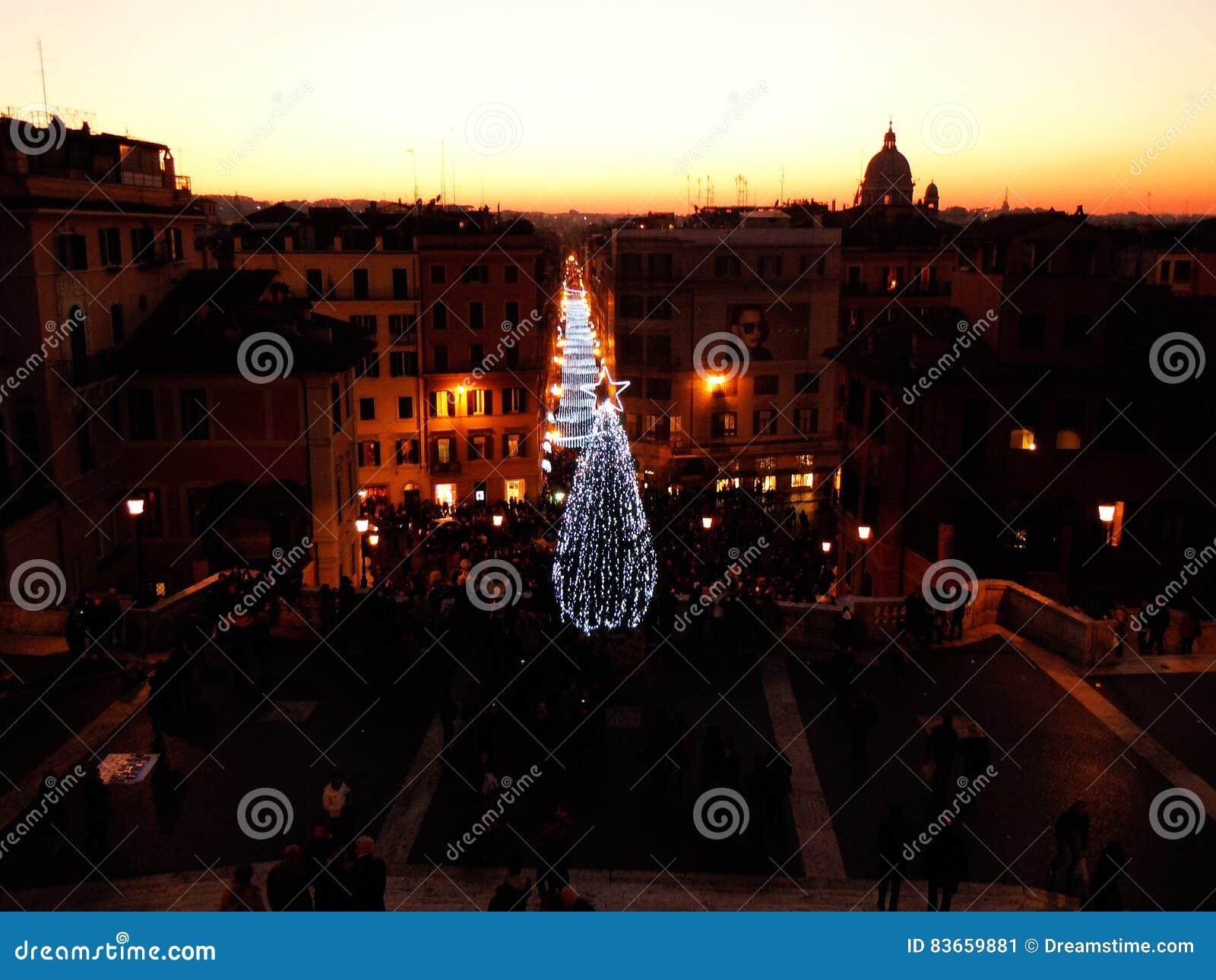 Weihnachten in Rom redaktionelles foto. Bild von feiertag - 83659881