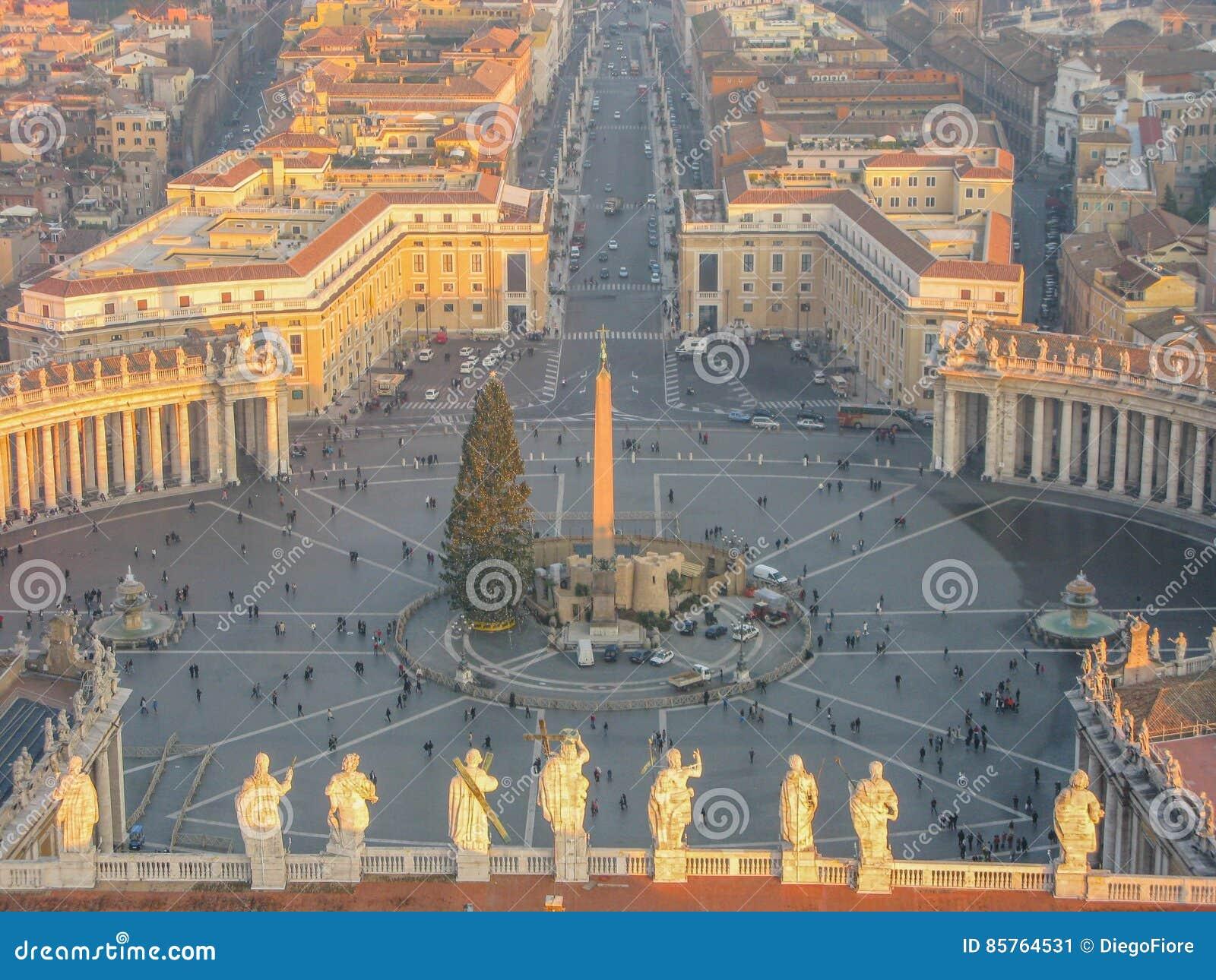 Weihnachten in Rom stockbild. Bild von haube, panorama - 85764531