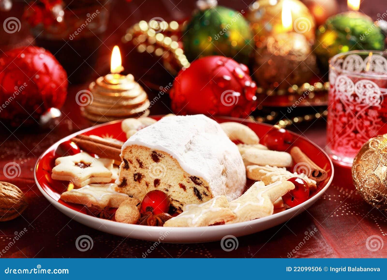 weihnachten stollen mit lebkuchen stockfoto bild 22099506. Black Bedroom Furniture Sets. Home Design Ideas