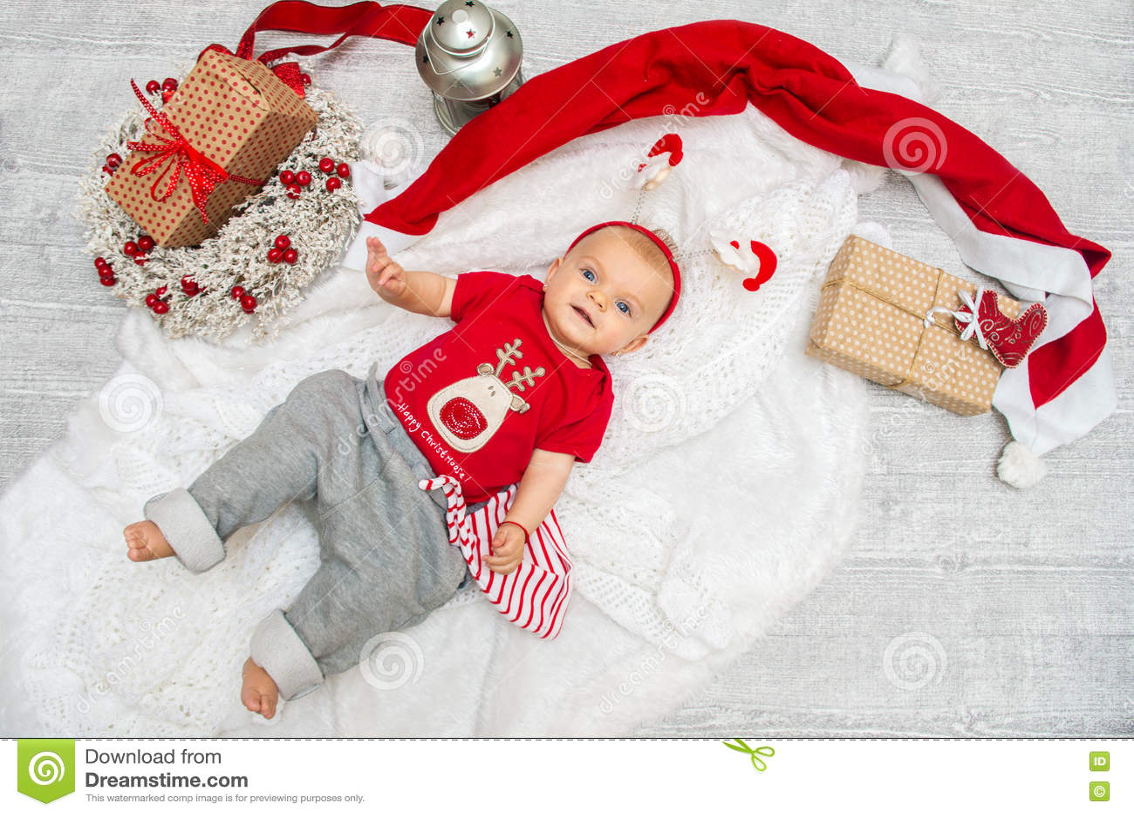 Weihnachtsbaby Sechs Monate Am Vorabend Des Weihnachten Mit GIF ...