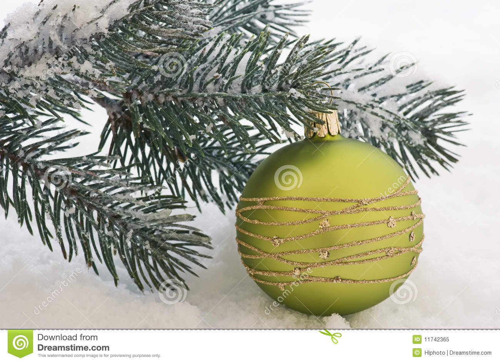 weihnachtsbaum im schnee lizenzfreies stockfoto bild. Black Bedroom Furniture Sets. Home Design Ideas
