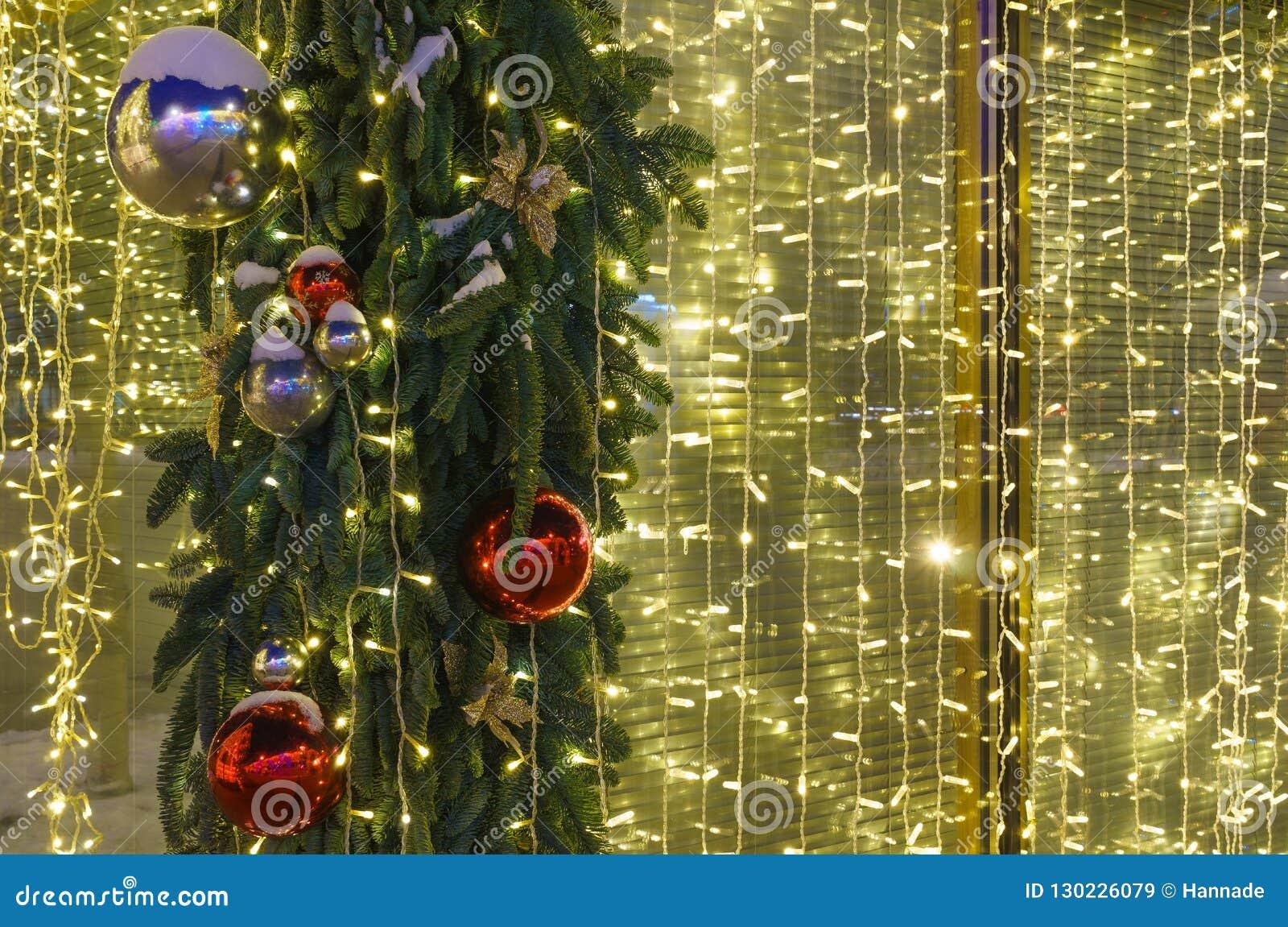 Weihnachtsbeleuchtung nachts