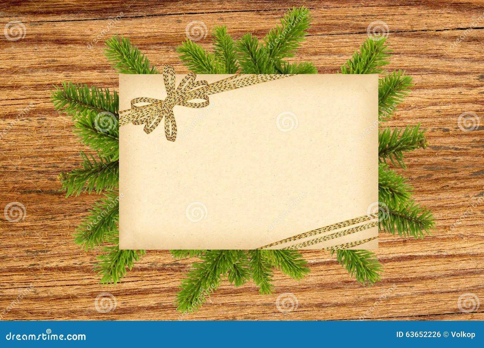 Weihnachtsdekoration Mit Altem Papier, Goldenem Bogen Und Tannenbaum ...