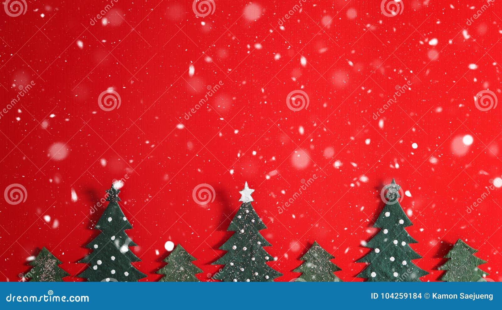 Weihnachtsfeiertagshintergrund mit Sankt und Dekorationen Weihnachtslandschaft mit Geschenken und Schnee Frohe Weihnachten und gl