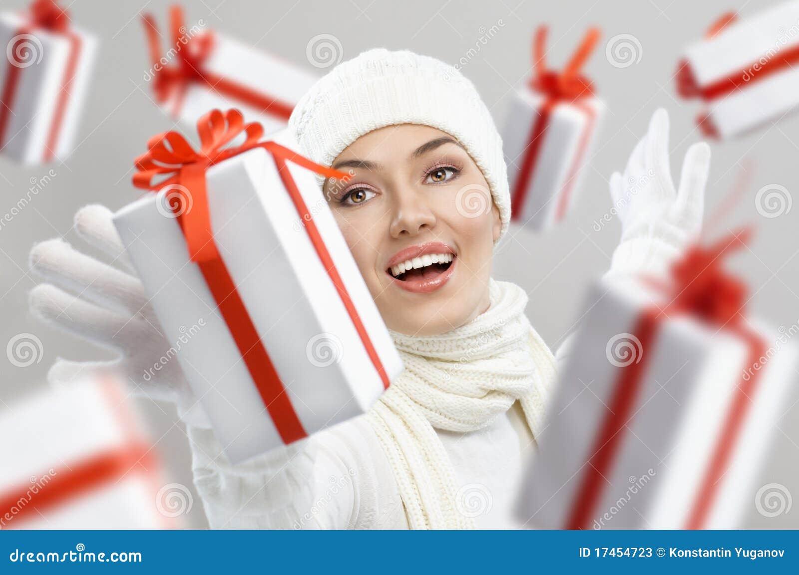 Weihnachtsgeschenke stockbild. Bild von person, farbband - 17454723
