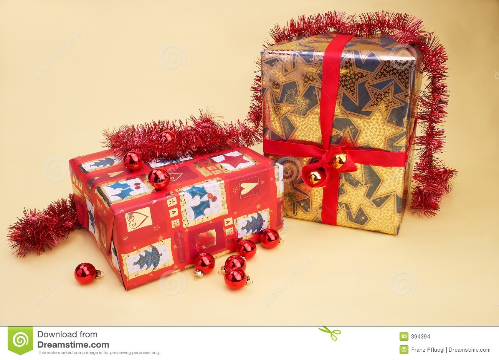 weihnachtsgeschenke christmas present stock images. Black Bedroom Furniture Sets. Home Design Ideas