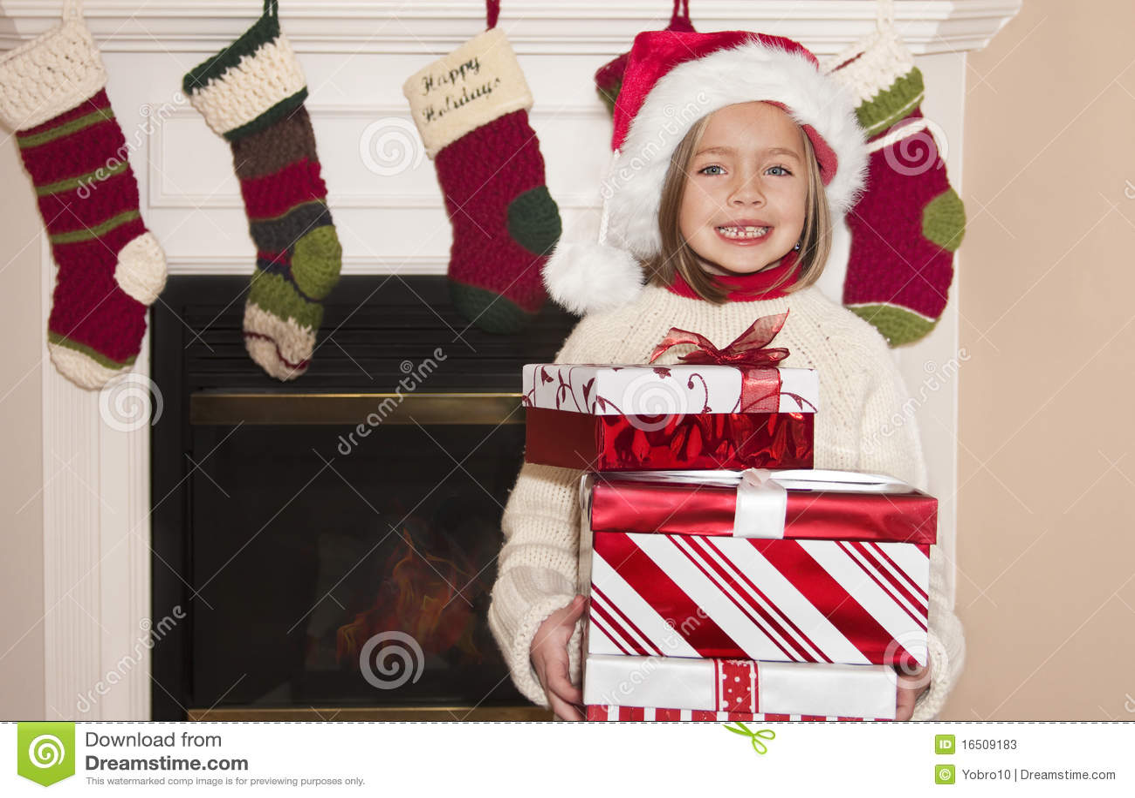Weihnachtsgeschenke Und Kleines Mädchen Stockbild - Bild von ...