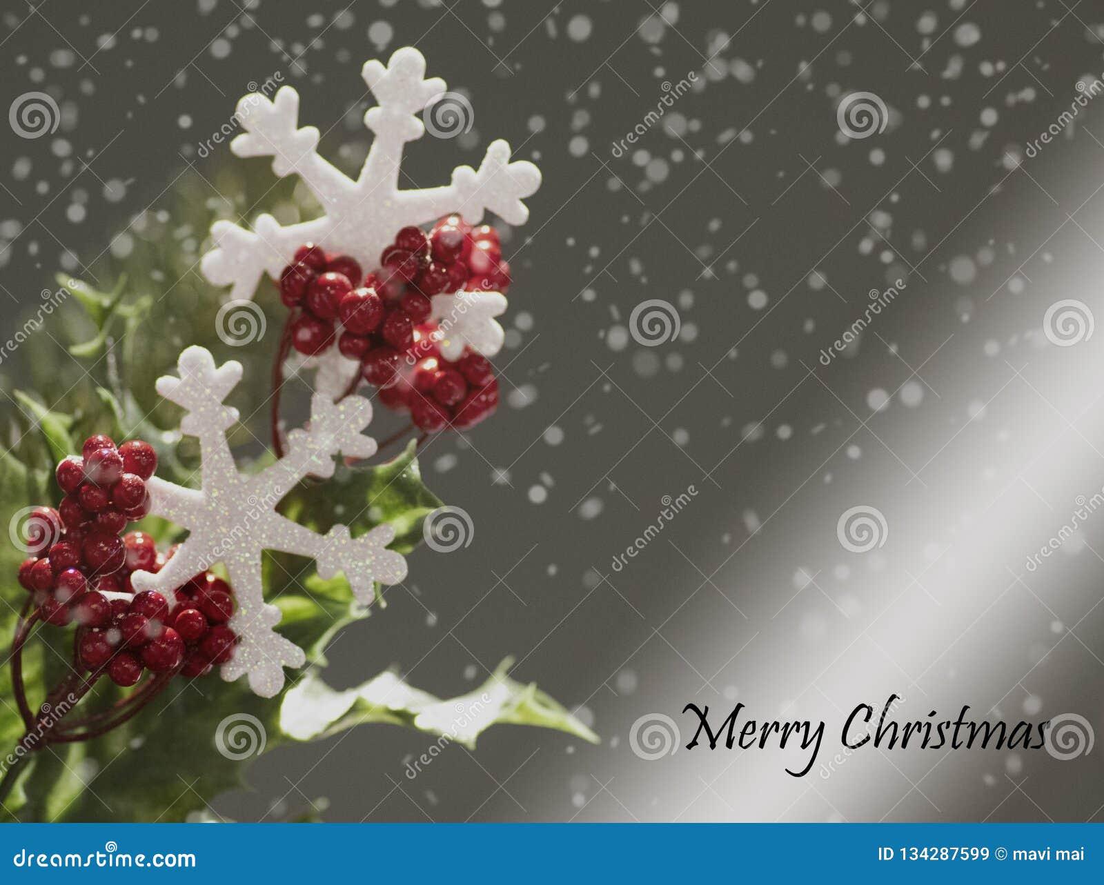 Weihnachtshintergrund auf grauem Hintergrund