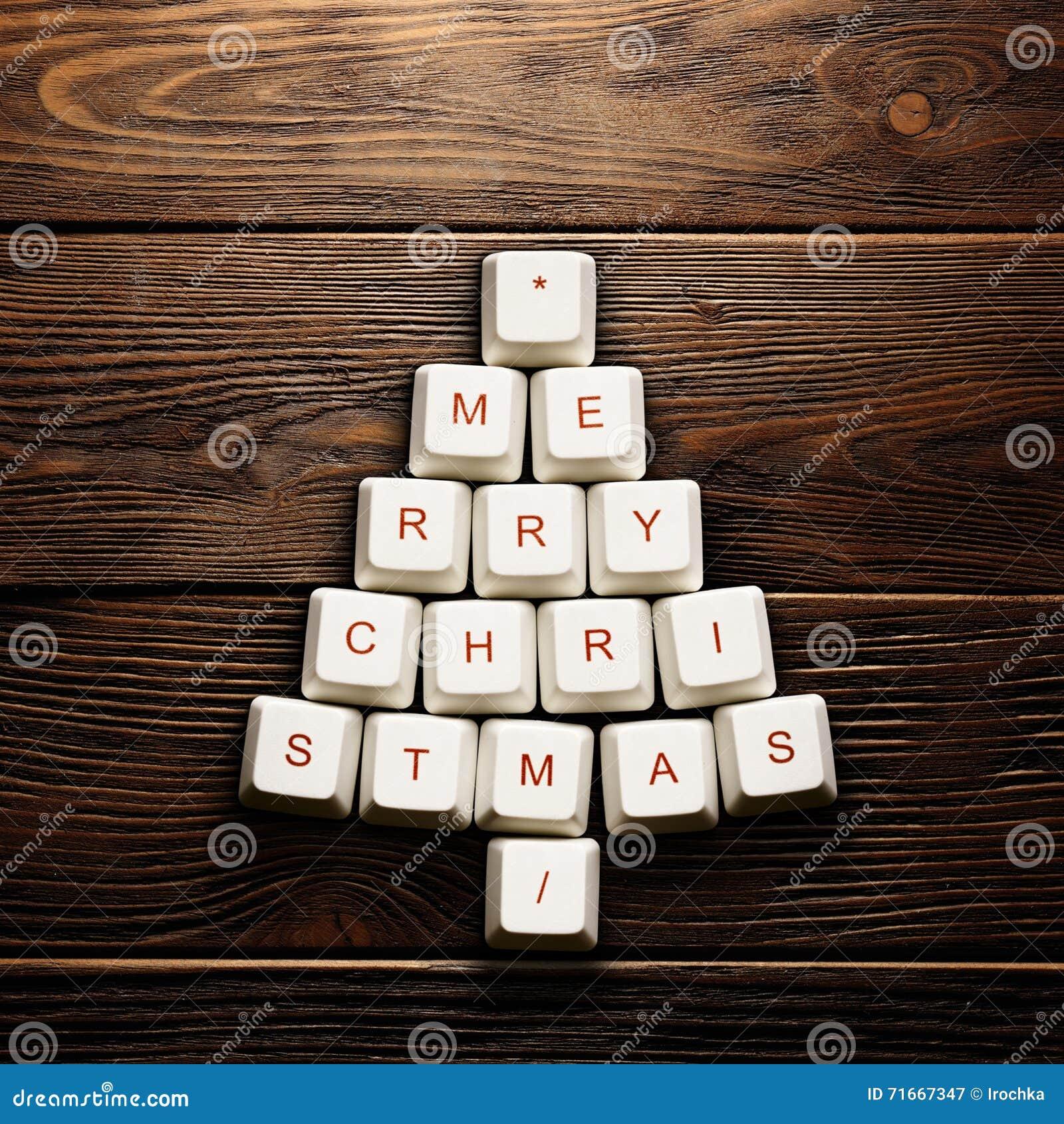 Weihnachtskarte - Weihnachtsbaum gemacht von den Computerschlüsseln