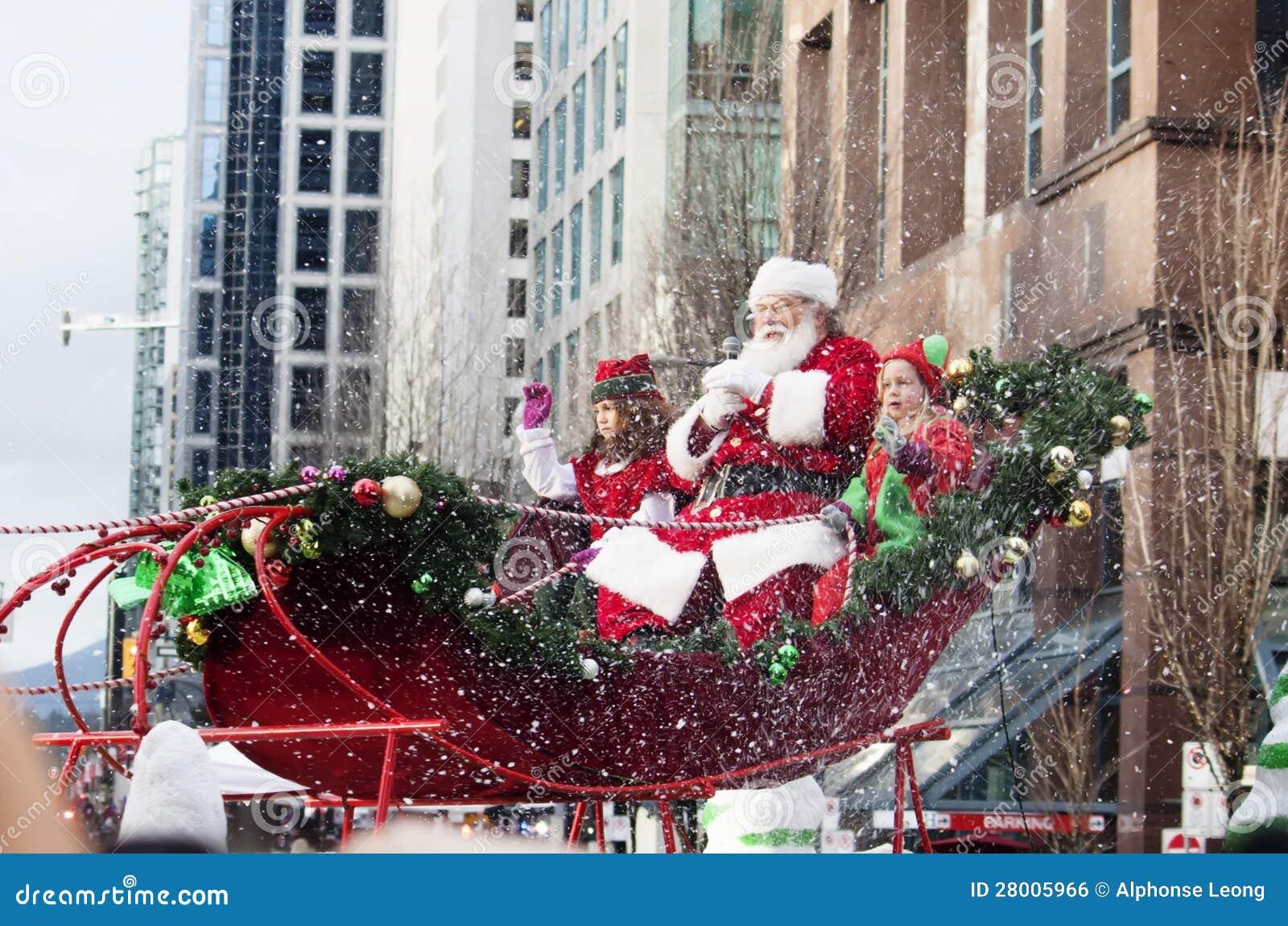 Weihnachtsmann an der Weihnachtsparade im Stadtzentrum gelegen