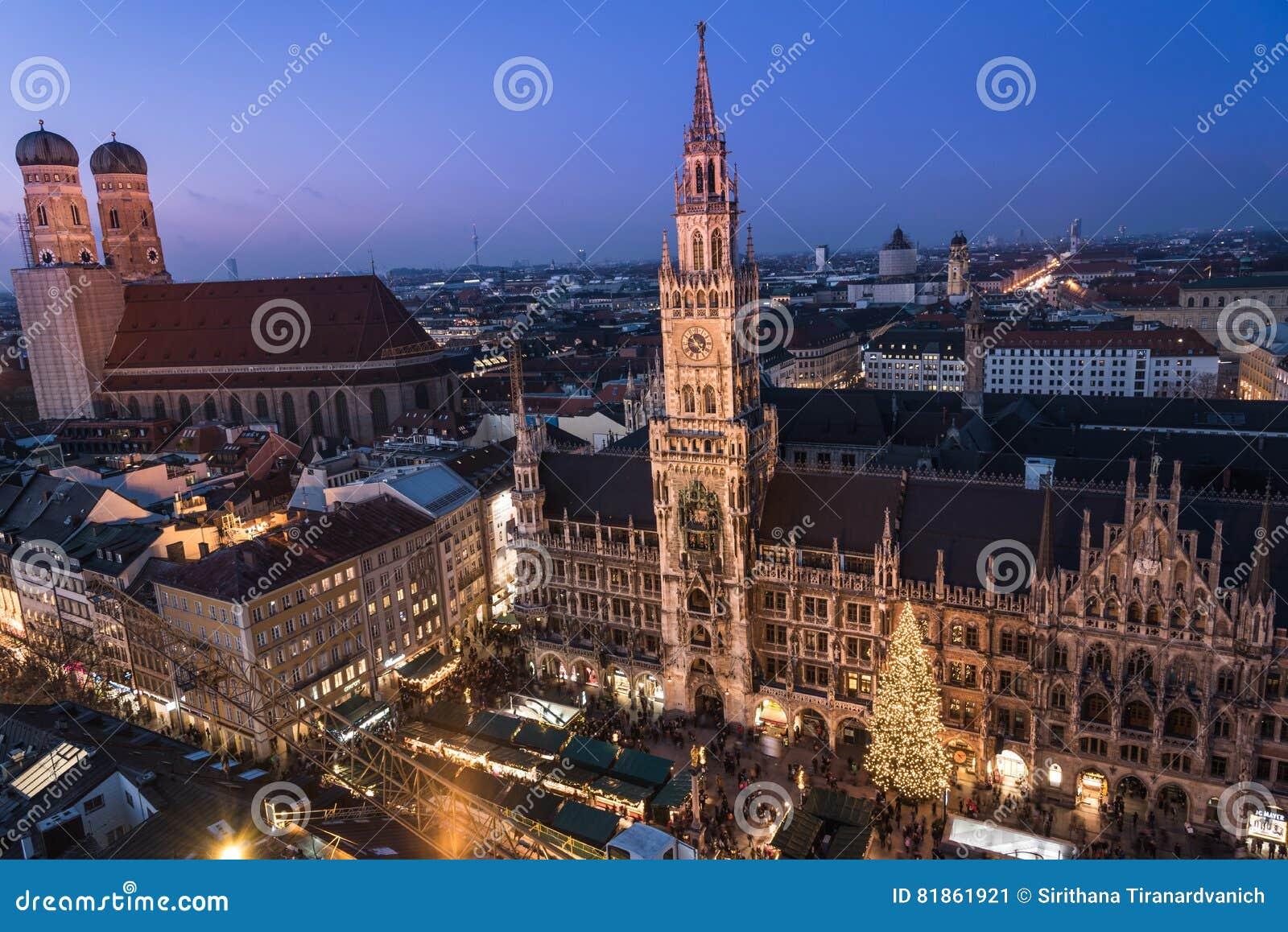 Marienplatz Weihnachtsmarkt.Weihnachtsmarkt Auf Marienplatz München Deutschland Redaktionelles