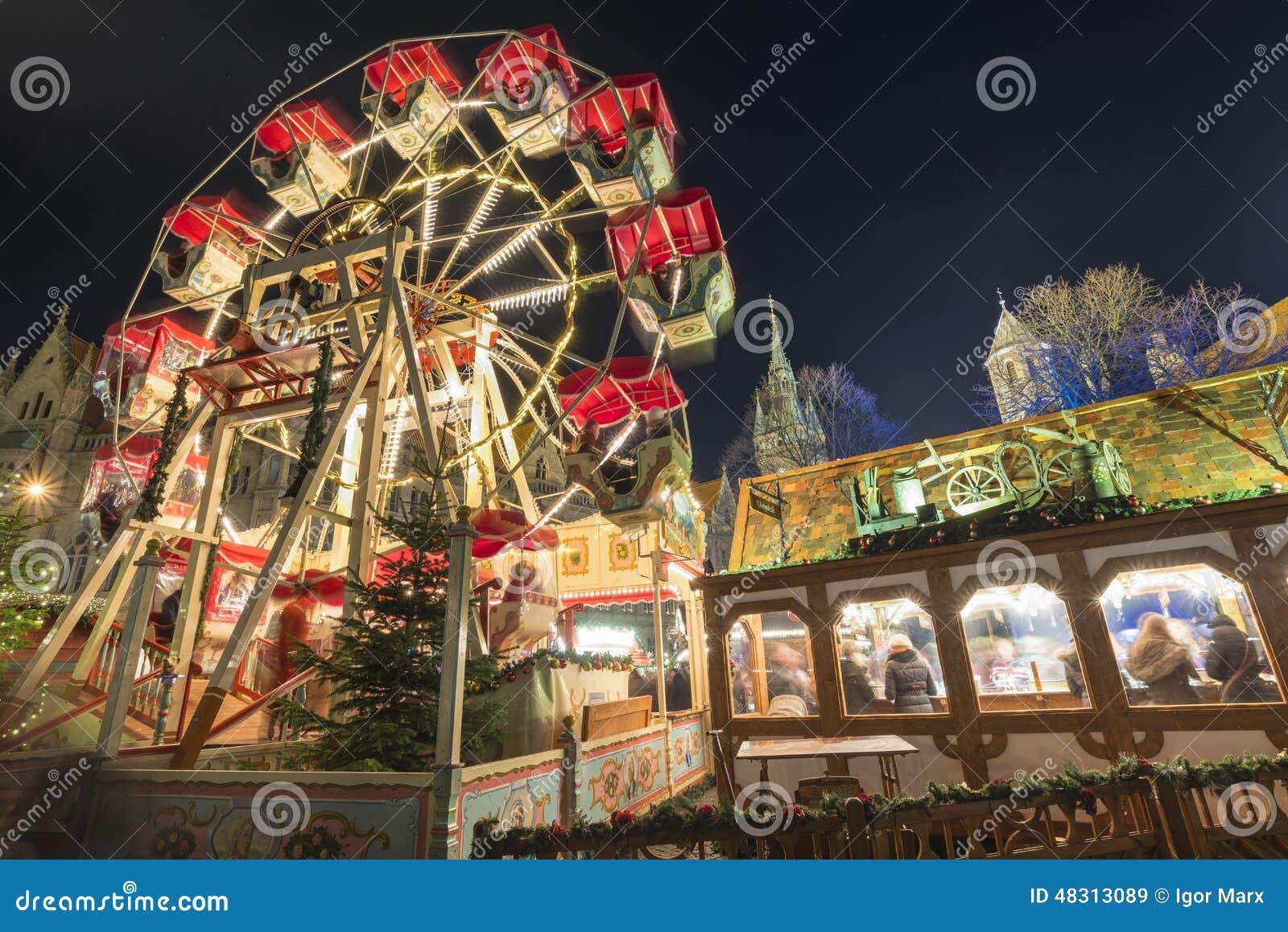 Weihnachtsmarkt Braunschweig.Weihnachtsmarkt In Braunschweig Stockbild Bild Von Belichtet