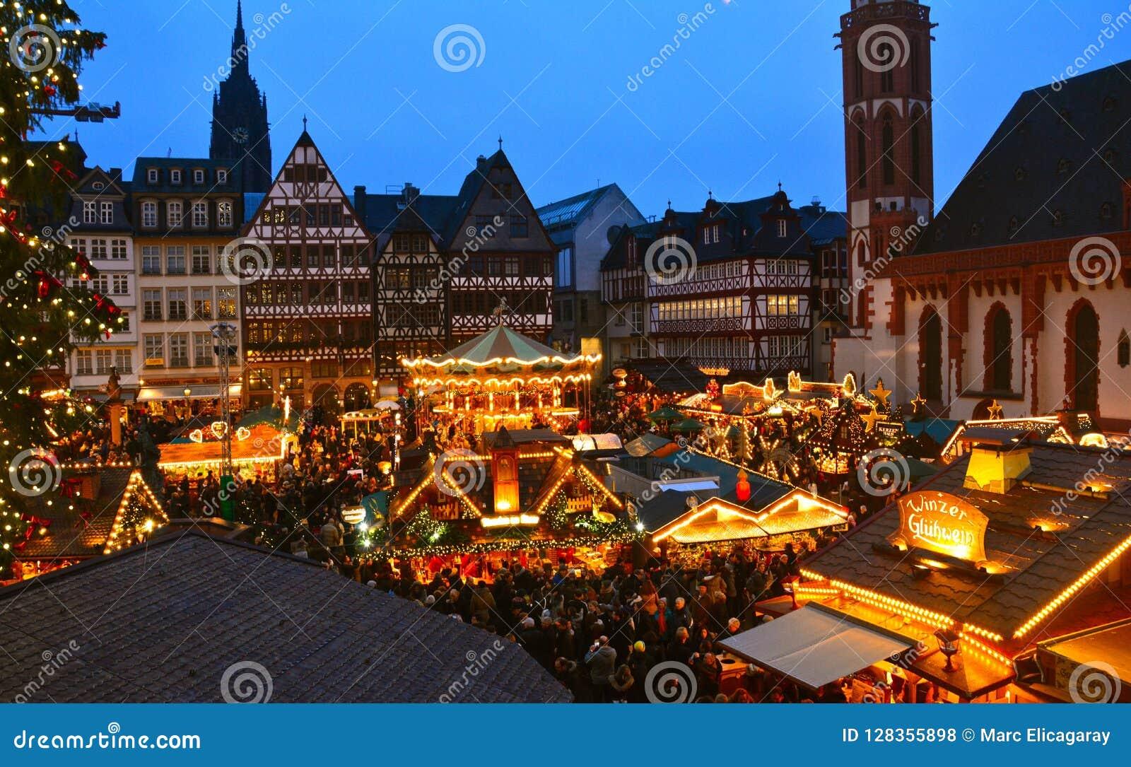 Deutschland Weihnachtsmarkt.Weihnachtsmarkt In Frankfurt Deutschland Stockfoto Bild Von