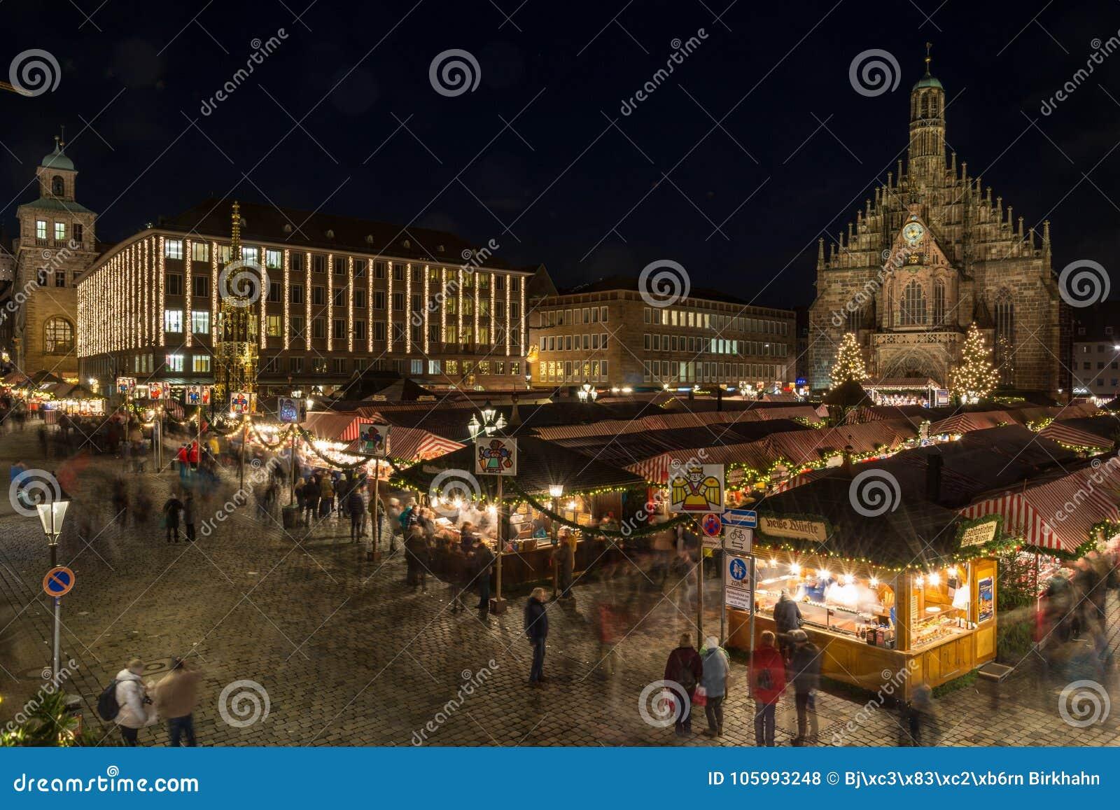 Weihnachtsmarkt Nürnberg.Weihnachtsmarkt In Nürnberg Nachts Redaktionelles Stockfoto Bild