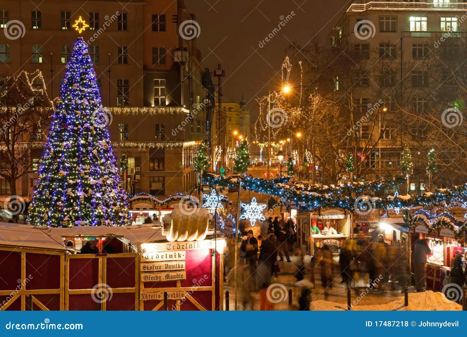 weihnachtsmarkt in prag redaktionelles stockfoto bild. Black Bedroom Furniture Sets. Home Design Ideas