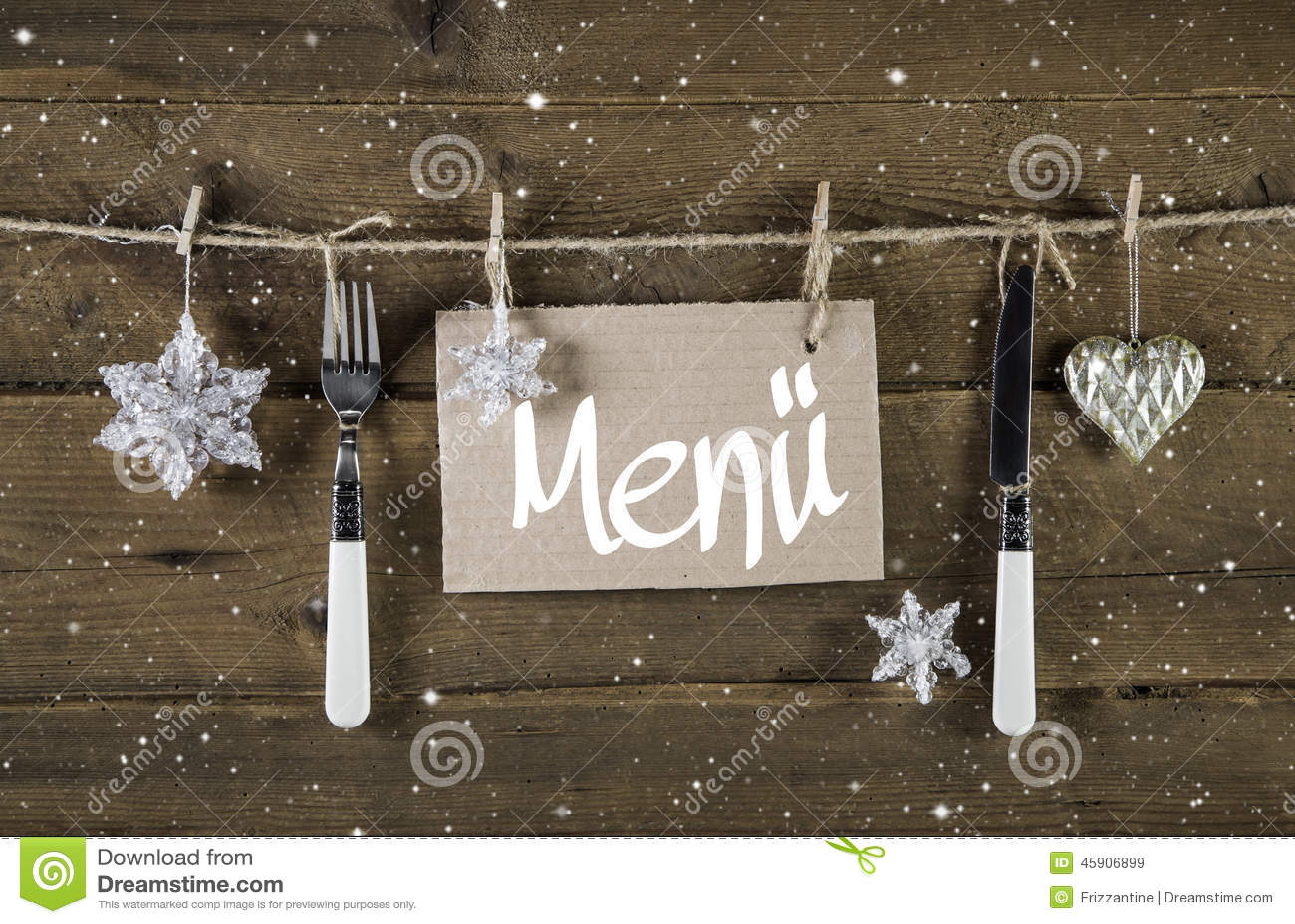 Weihnachtsmenükarte für Restaurants mit Messer und Gabel auf woode