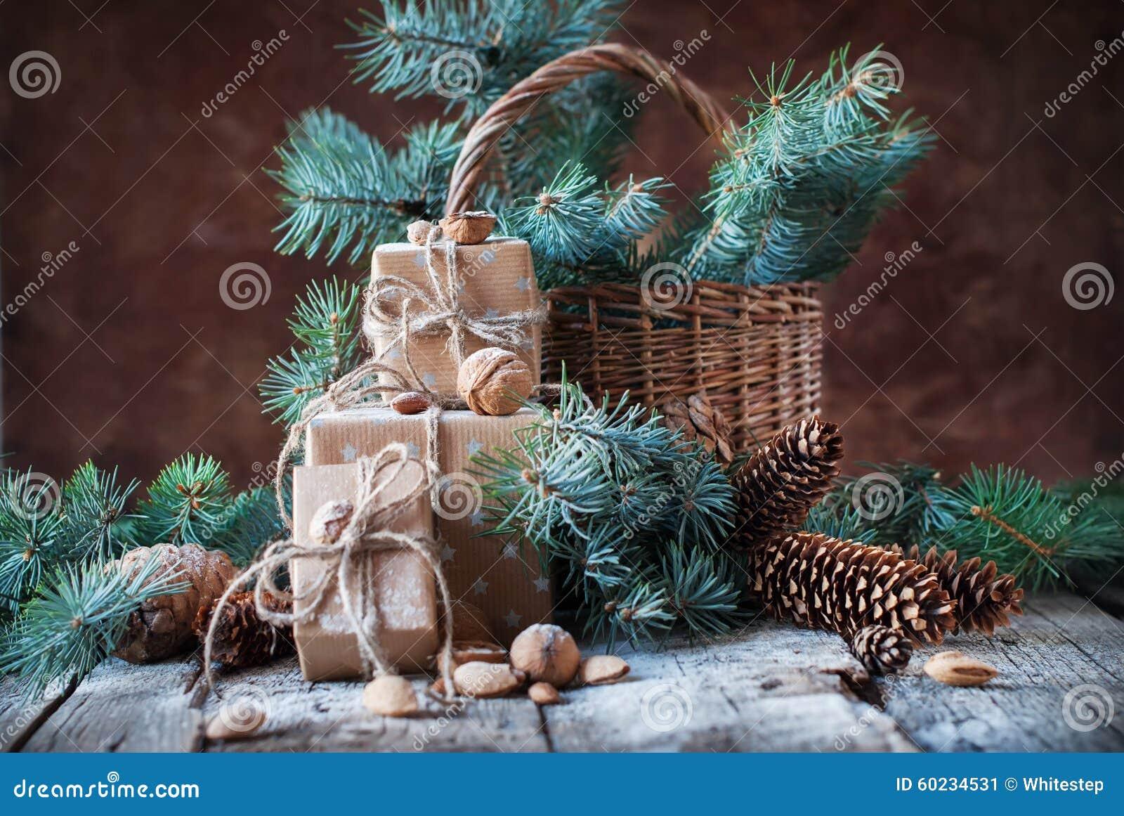 Weihnachtspakete - Weihnachtsgeschenk Kästen, Koniferen, Kiefern ...