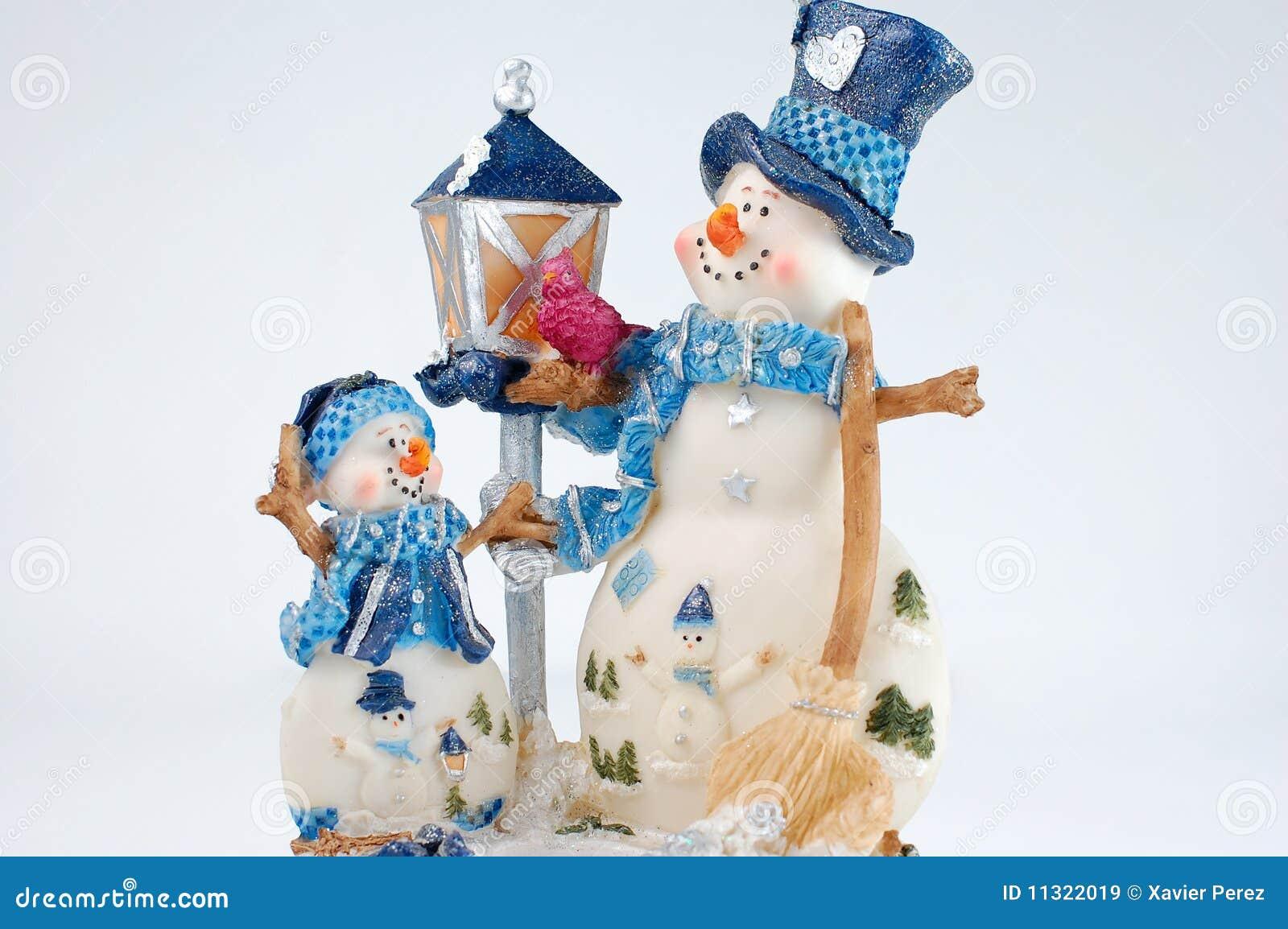 WeihnachtsSchneemann auf weißem Hintergrund