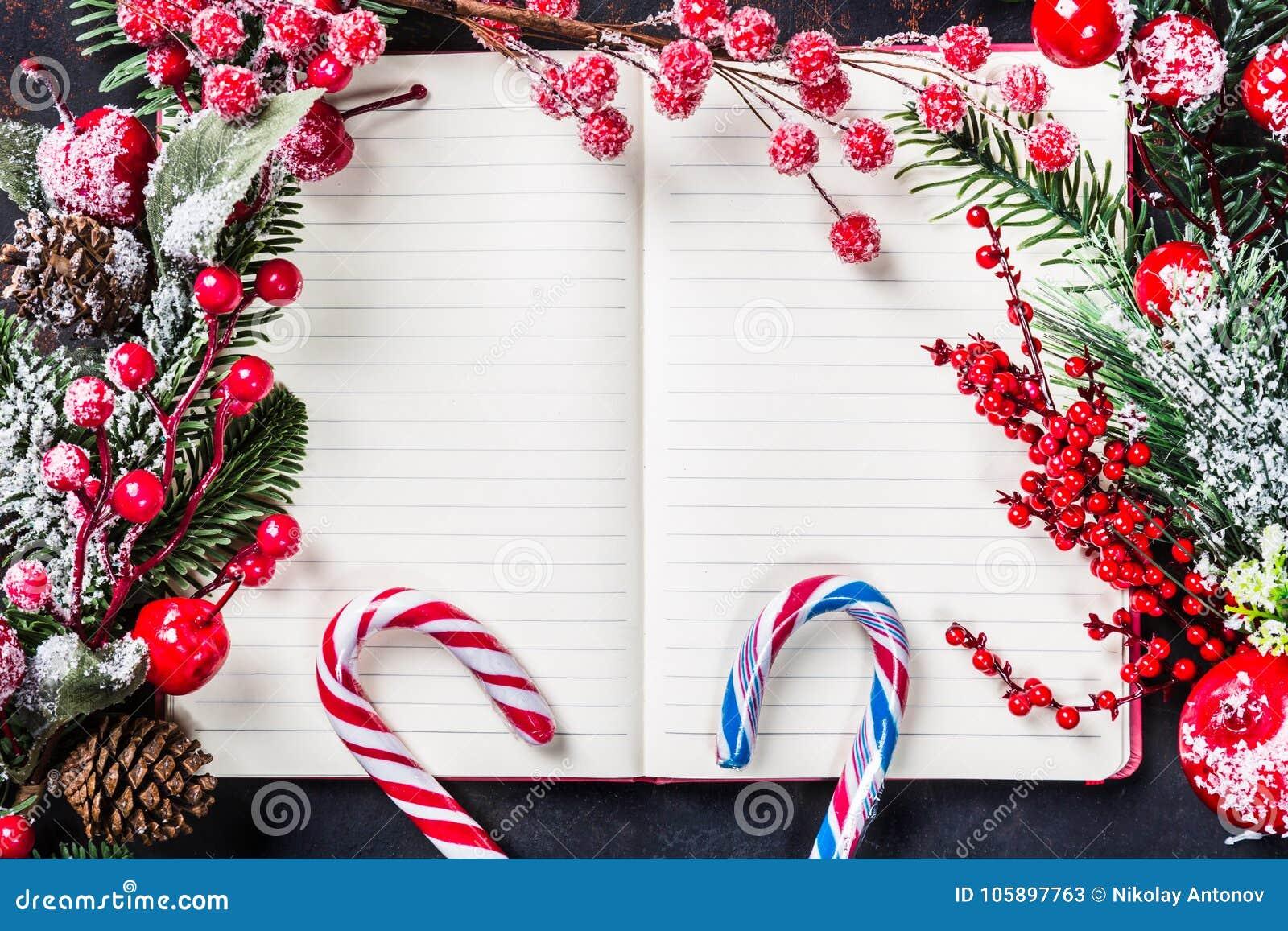 Weihnachtstannenbaumaste, Dekorationen, Zuckerstangen, Gefrorene ...