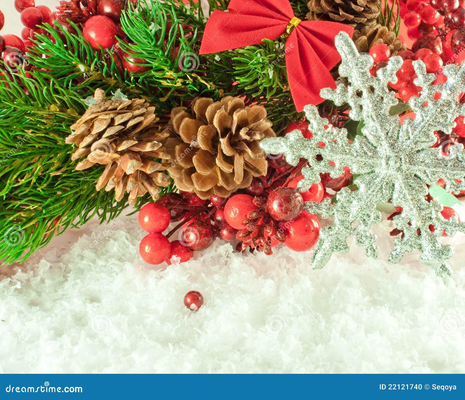 weihnachtszweig der beeren mit einem silbernen decorati stockfoto bild von verzierung. Black Bedroom Furniture Sets. Home Design Ideas