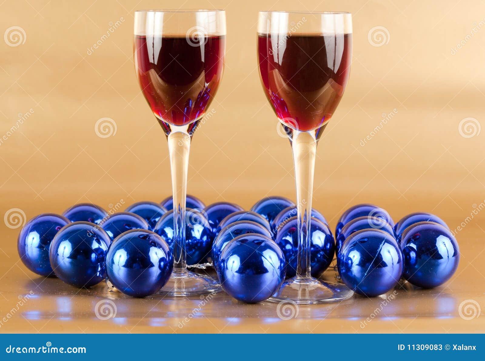 Wein- und Weihnachtsdekorationen