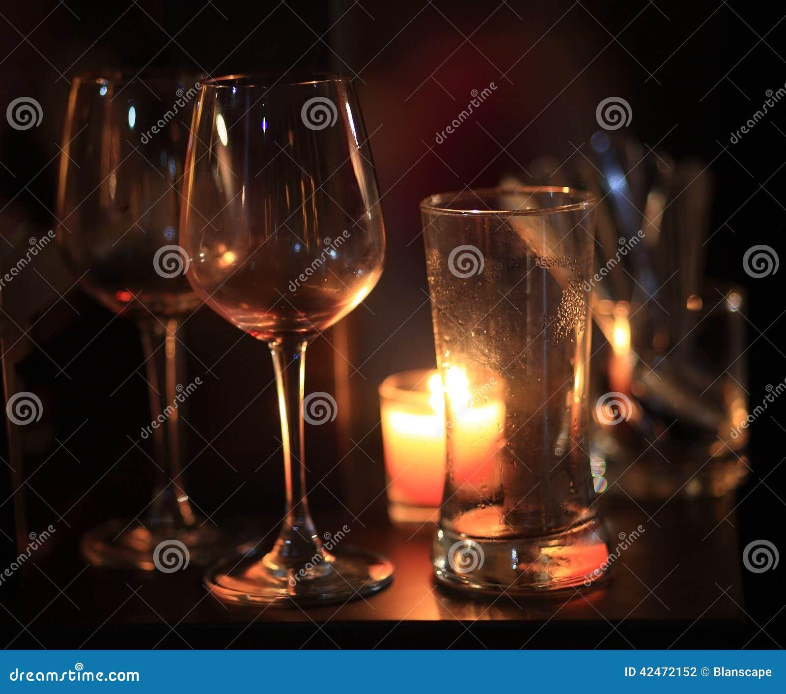 Weinglas mit Kerzen
