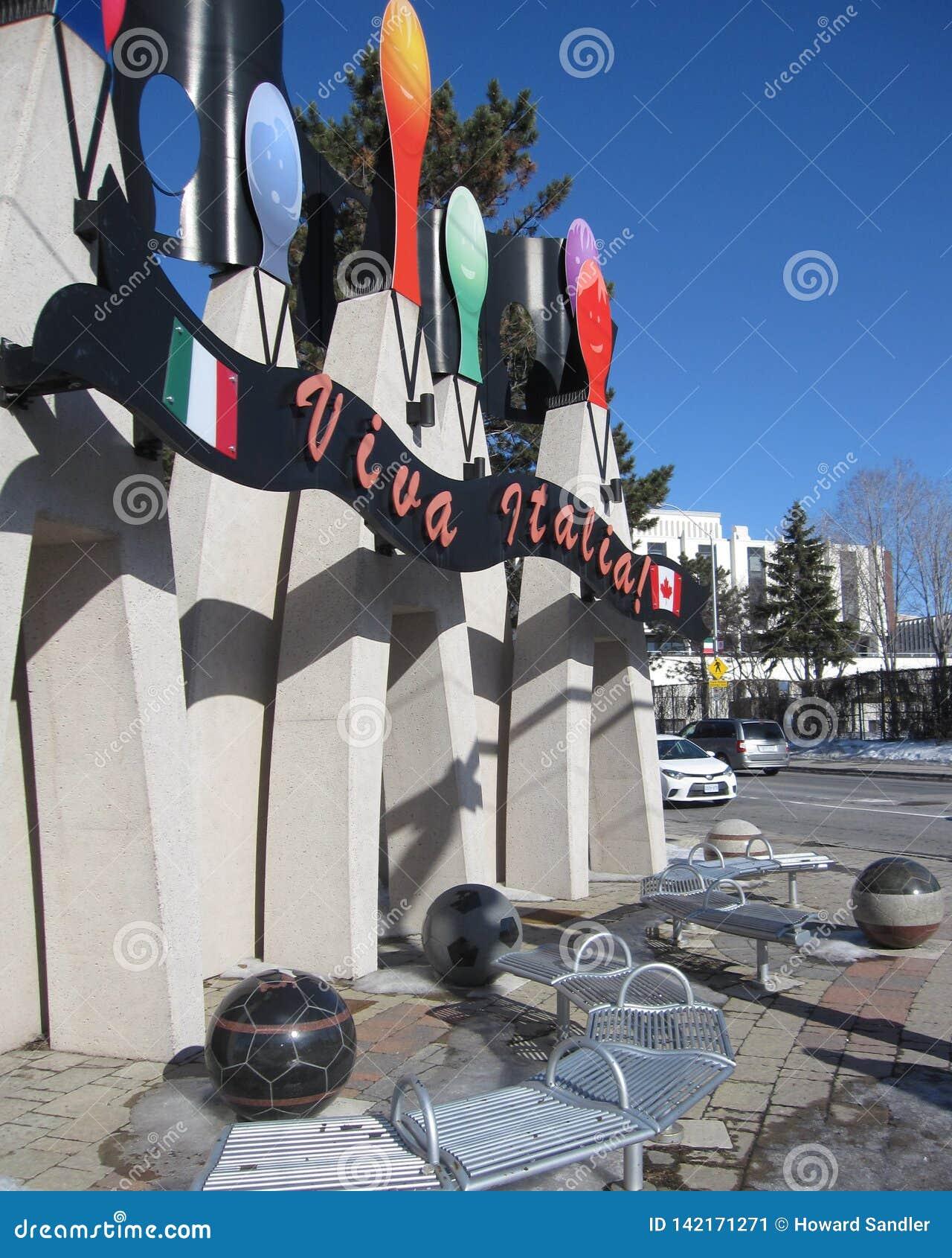Weinig Italië, Ottawa