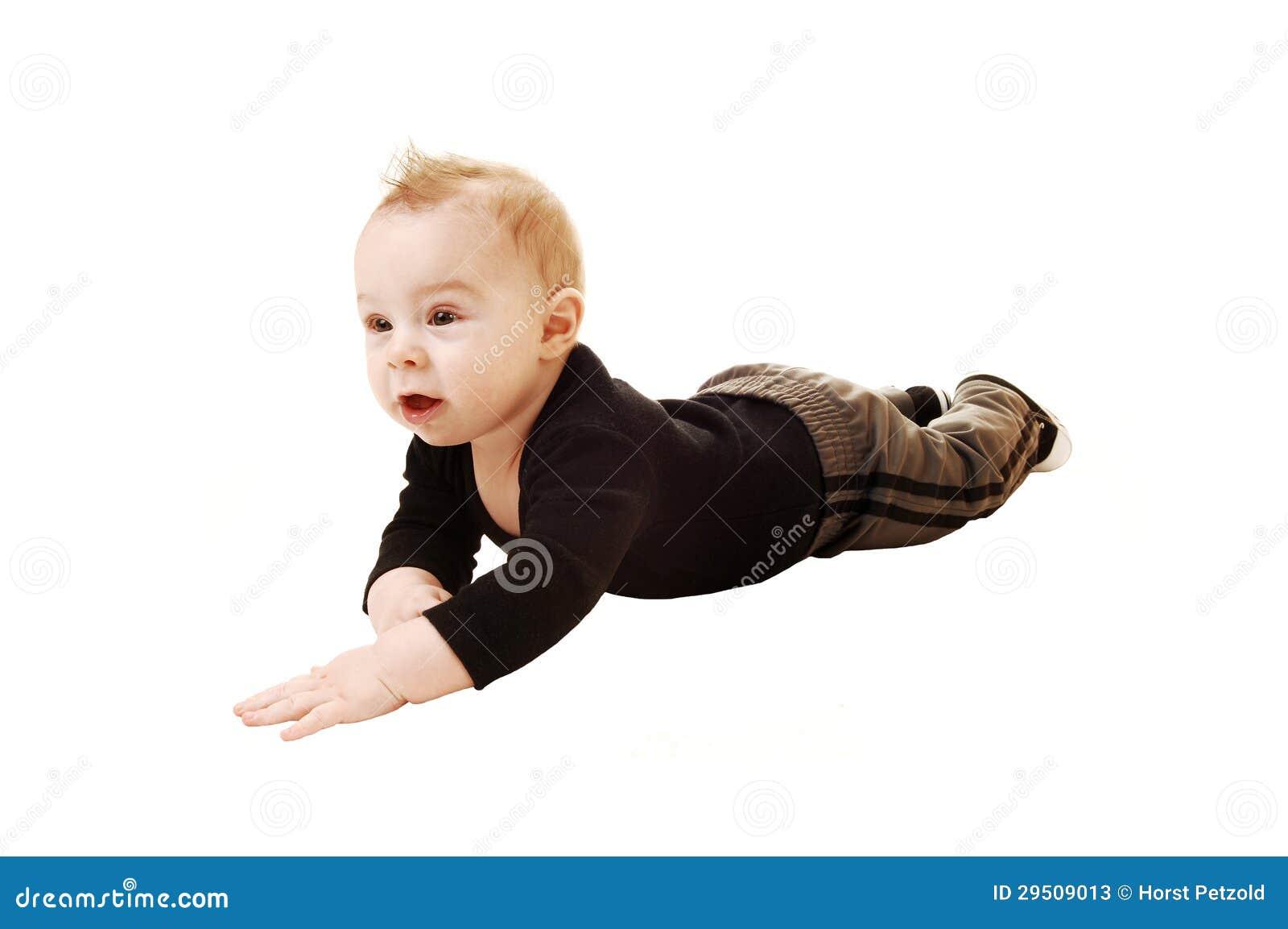 Weinig jongen op de vloer.