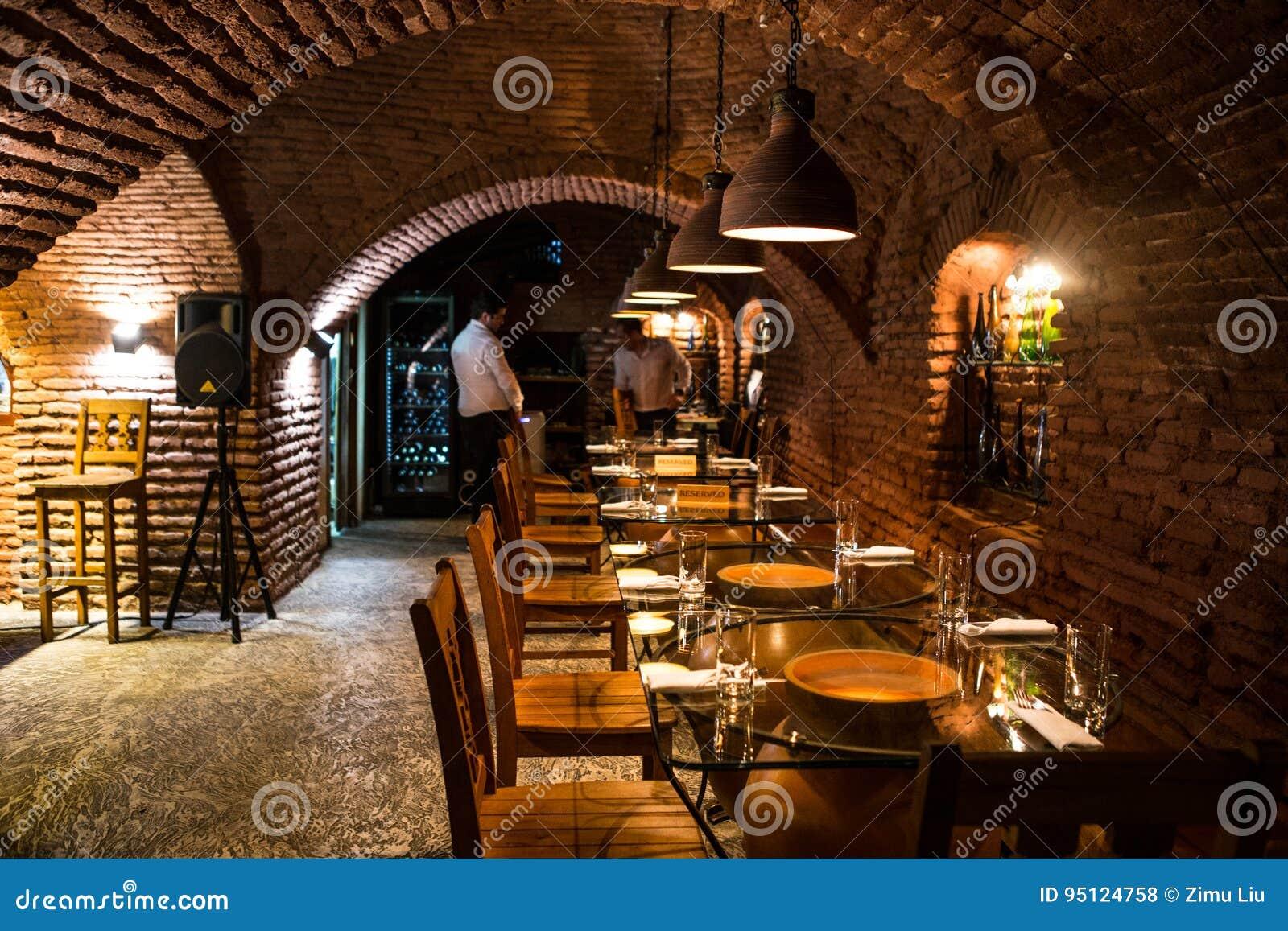 Weinkeller in Georgia stockfoto. Bild von antike, möbel - 95124758