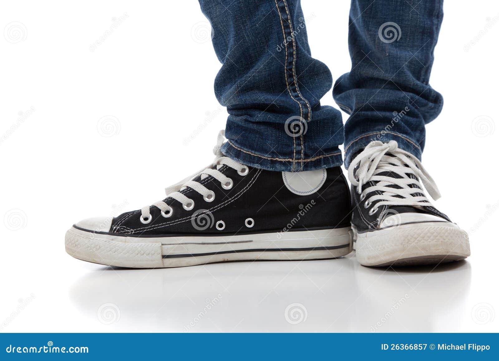 Weinlese, athletische Schuhe der Antike auf Weiß