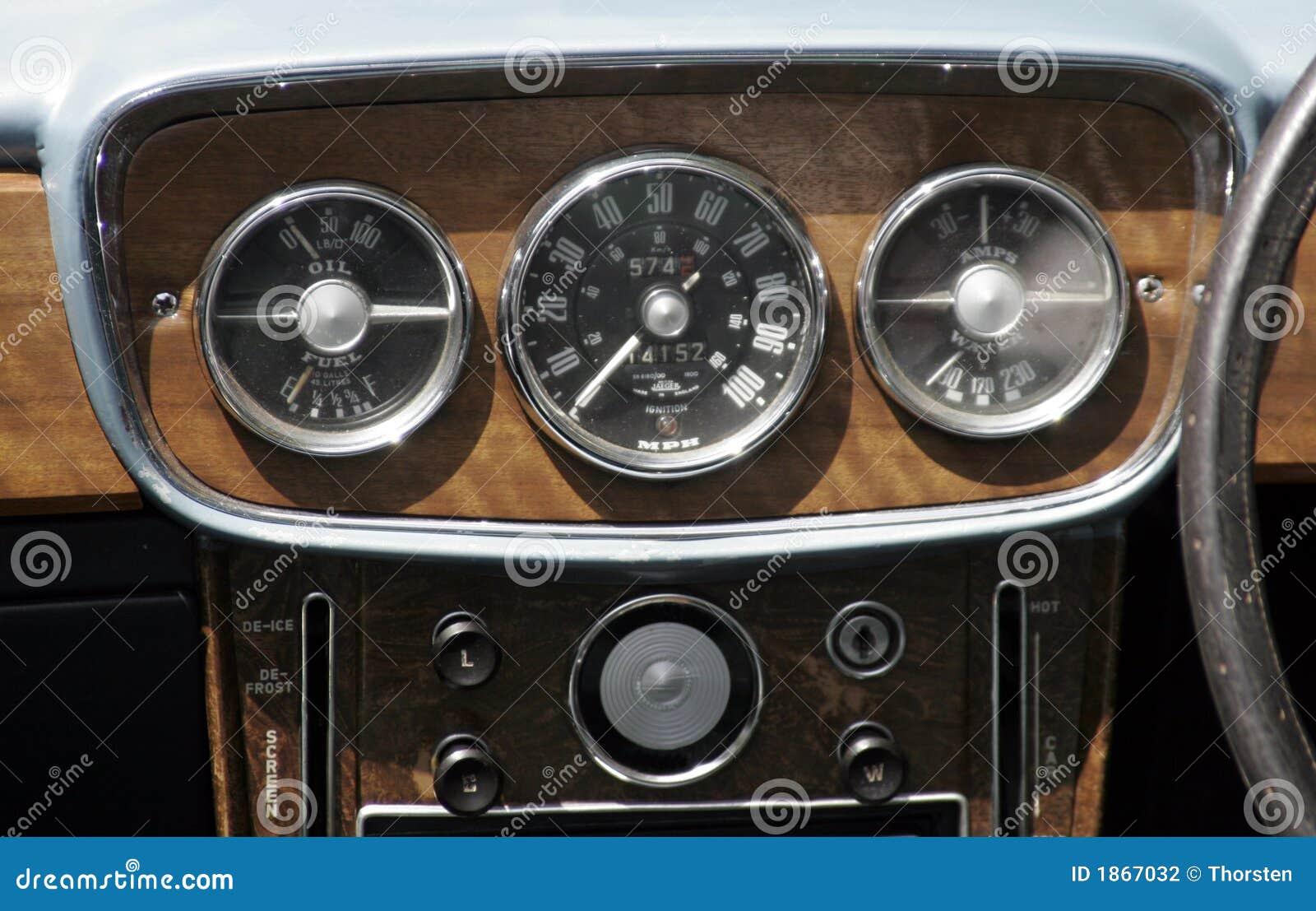 Weinlese-Auto-Armaturenbrett Stockfotografie - Bild: 1867032   {Armaturenbrett auto 30}