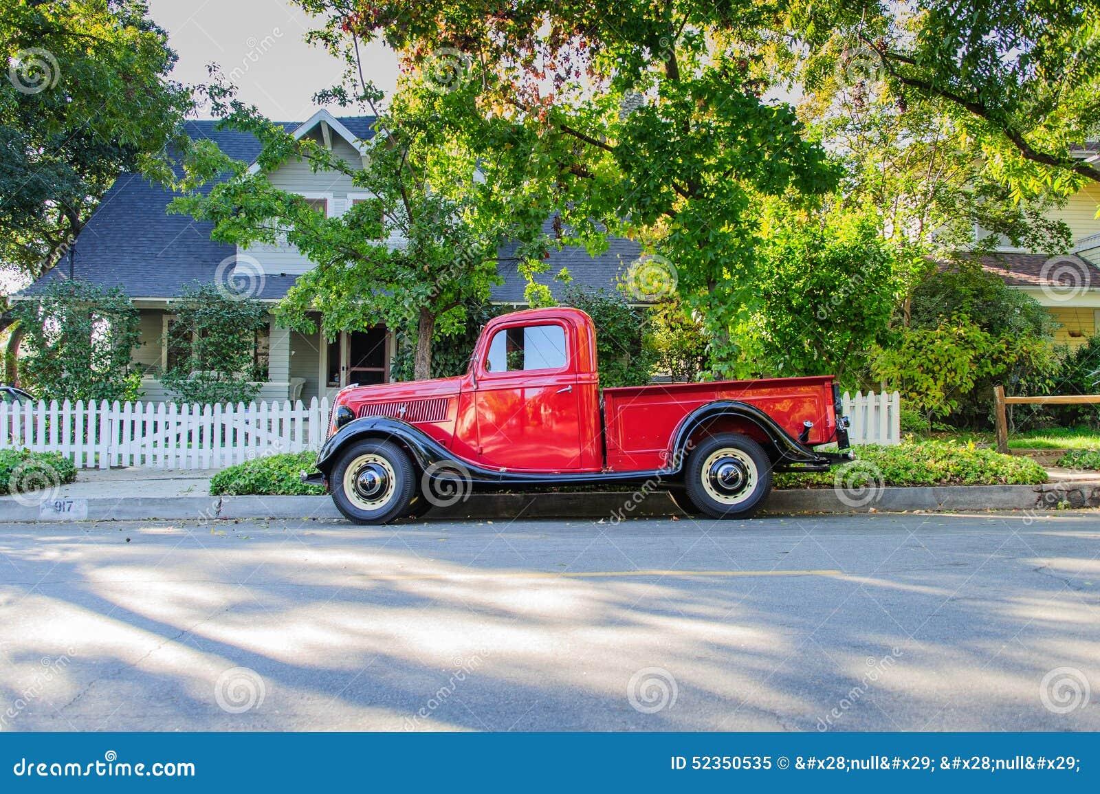 Weinlese 1937 Ford Pickup Truck - Seitenansicht