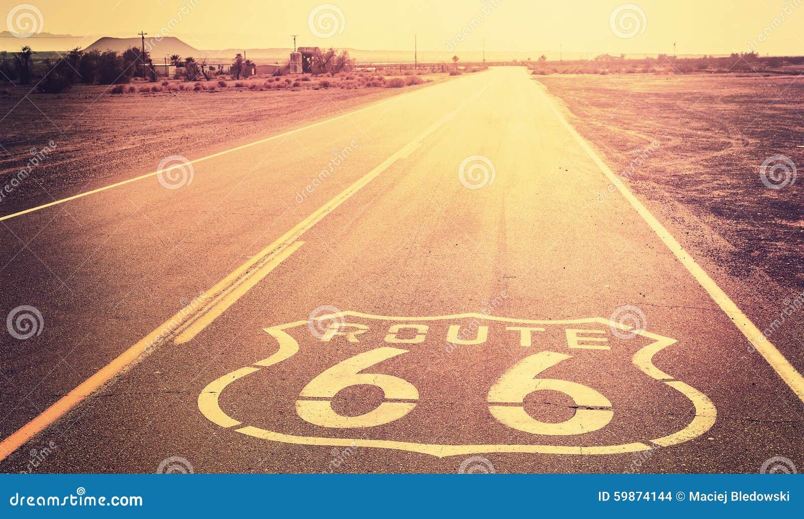 Weinlese gefilterter Sonnenuntergang über Route 66