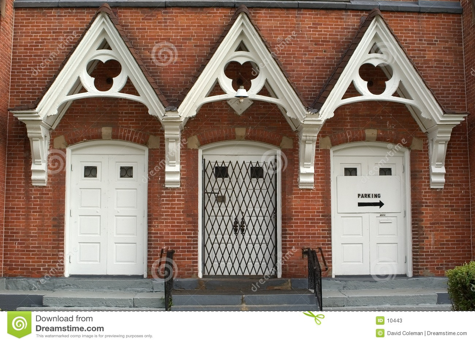 Wejście do kościoła