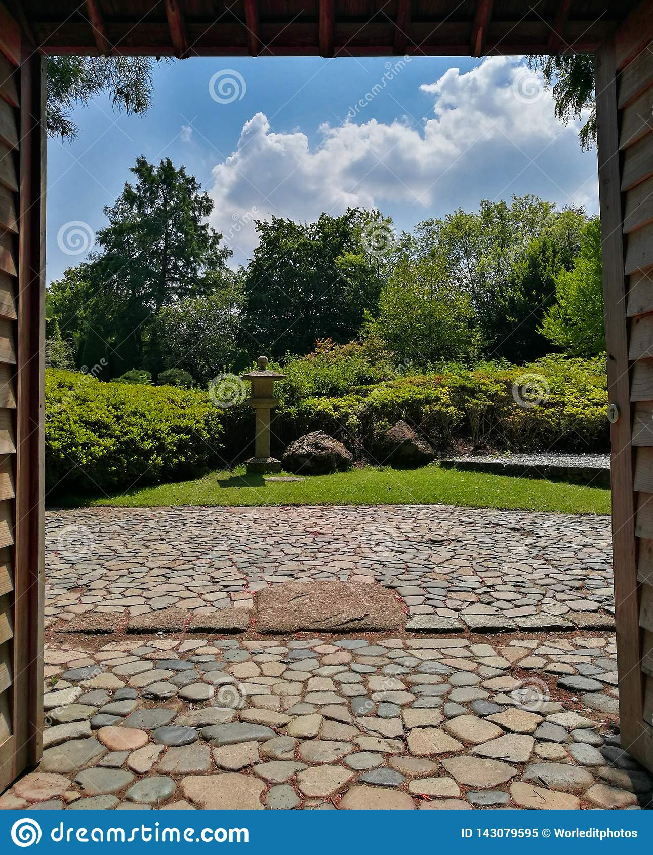 Wejście typowy japończyka ogród
