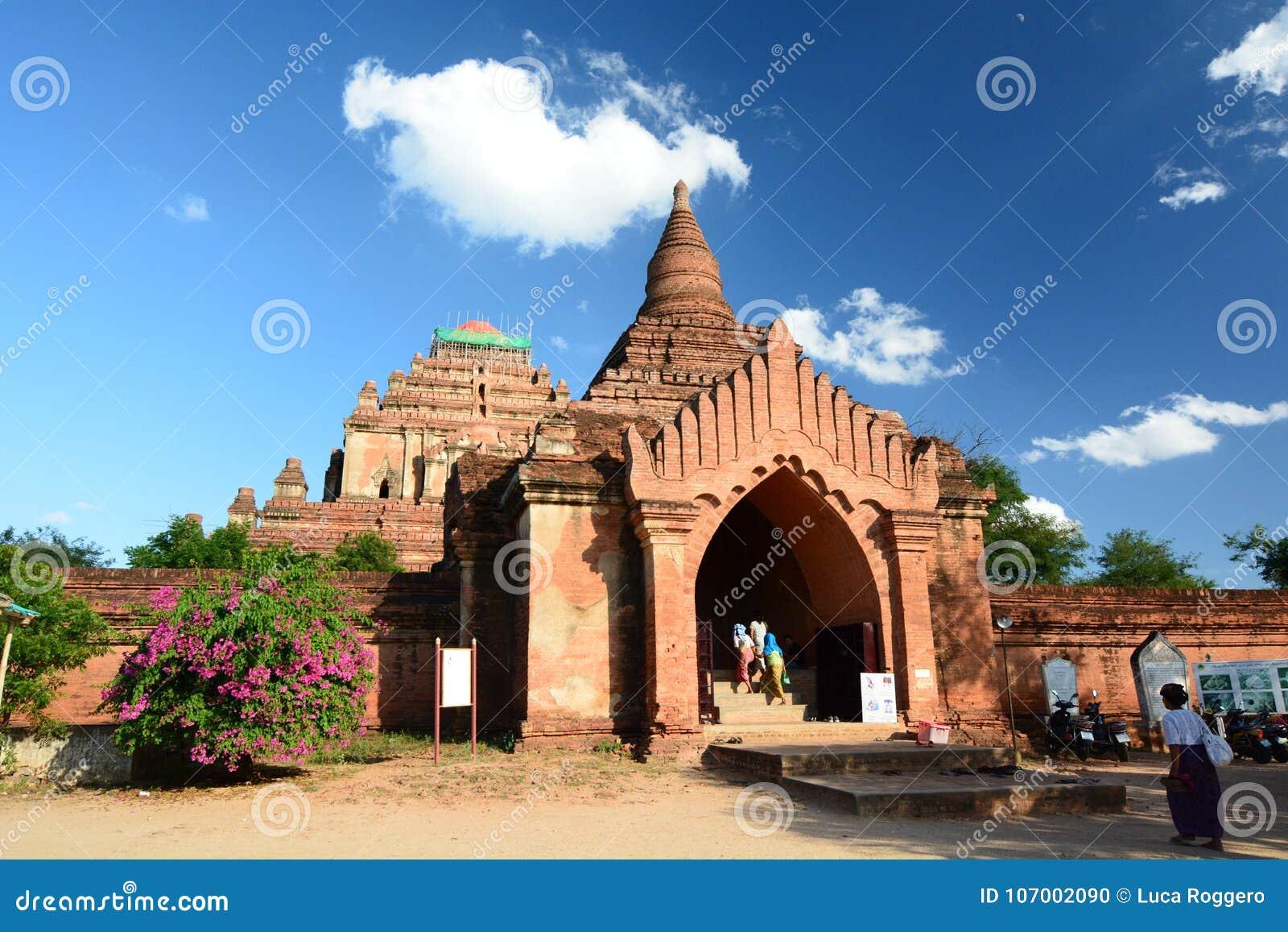 Wejściowa brama Sulamani świątynia Bagan Myanmar