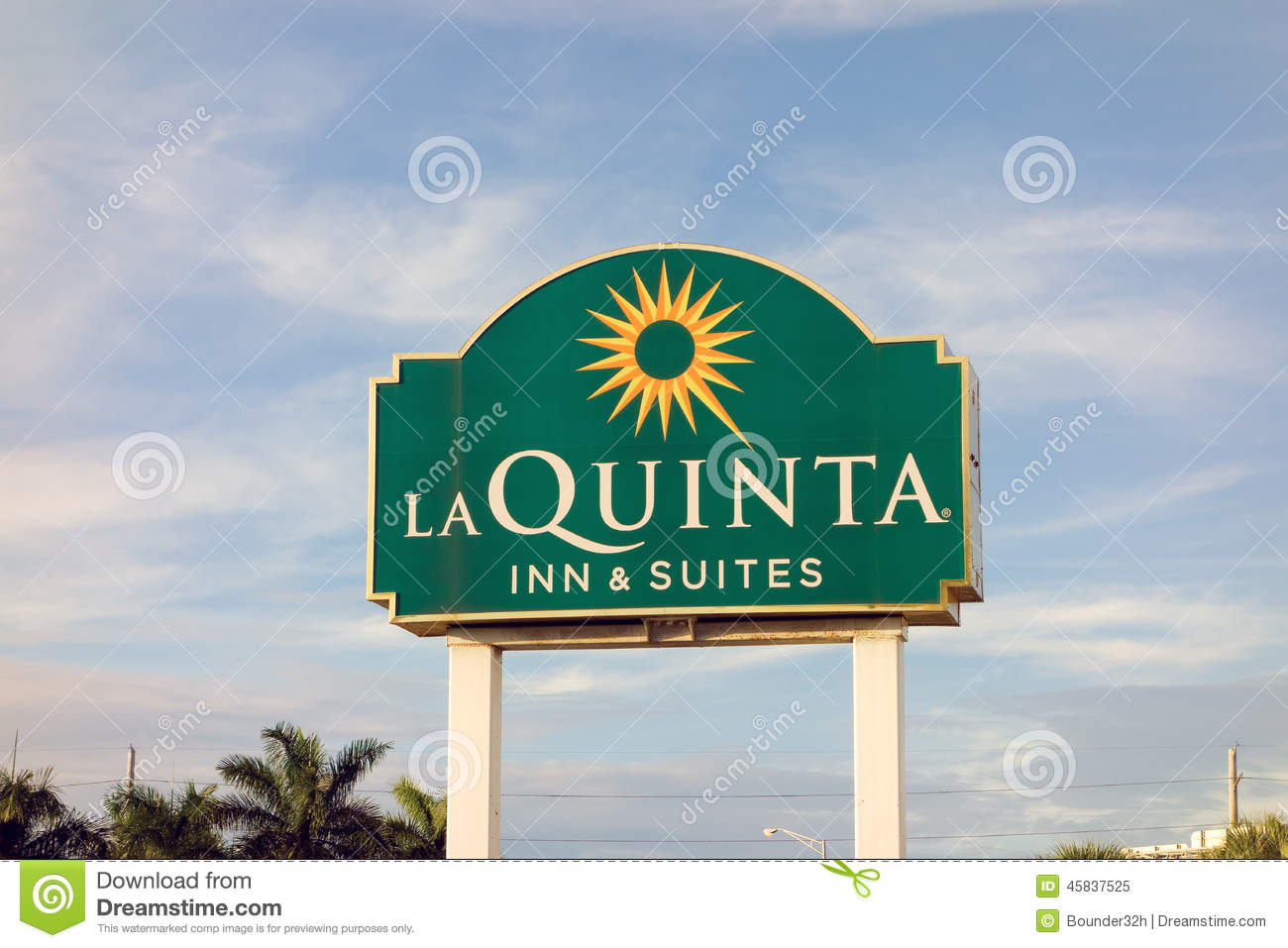 A welcoming hotel sign