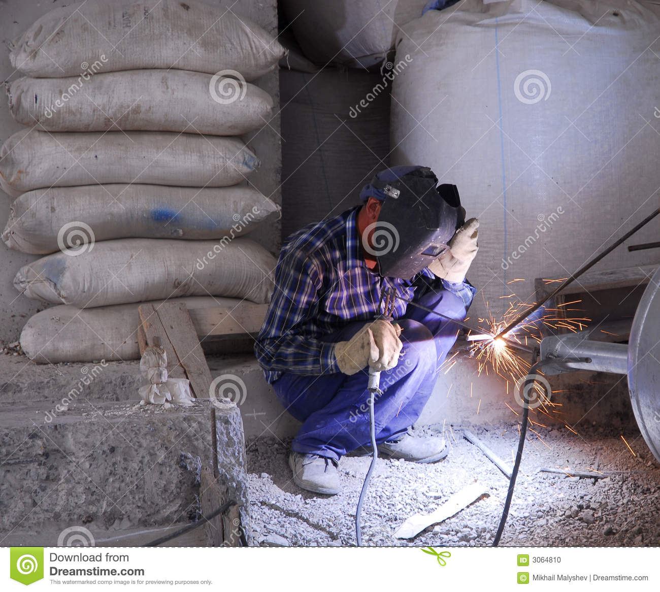 Welding operator 9 stock photo image 3064810 for Floor operator