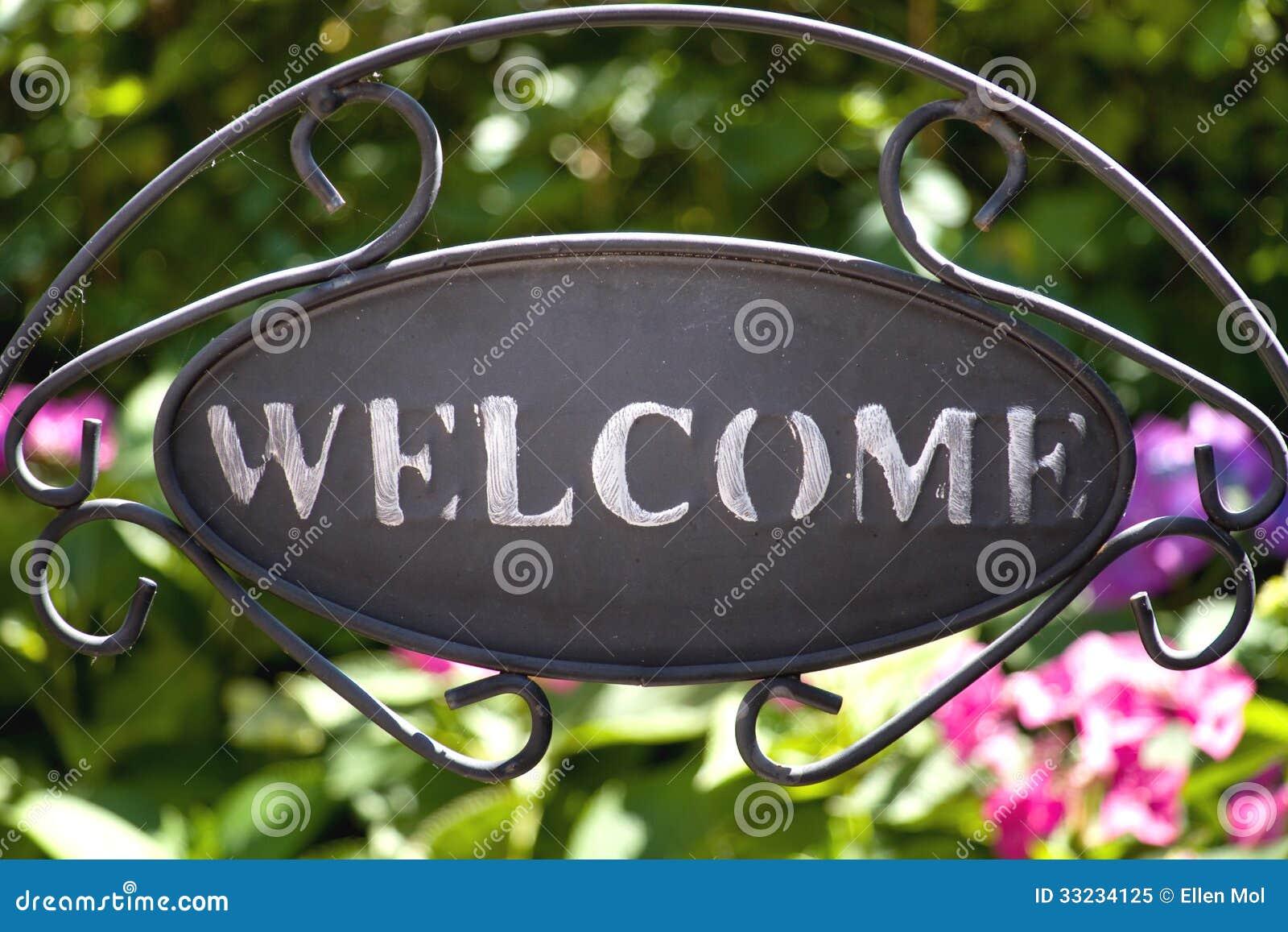 Teken Je Tuin : Welkom teken in de tuin stock afbeelding afbeelding bestaande uit