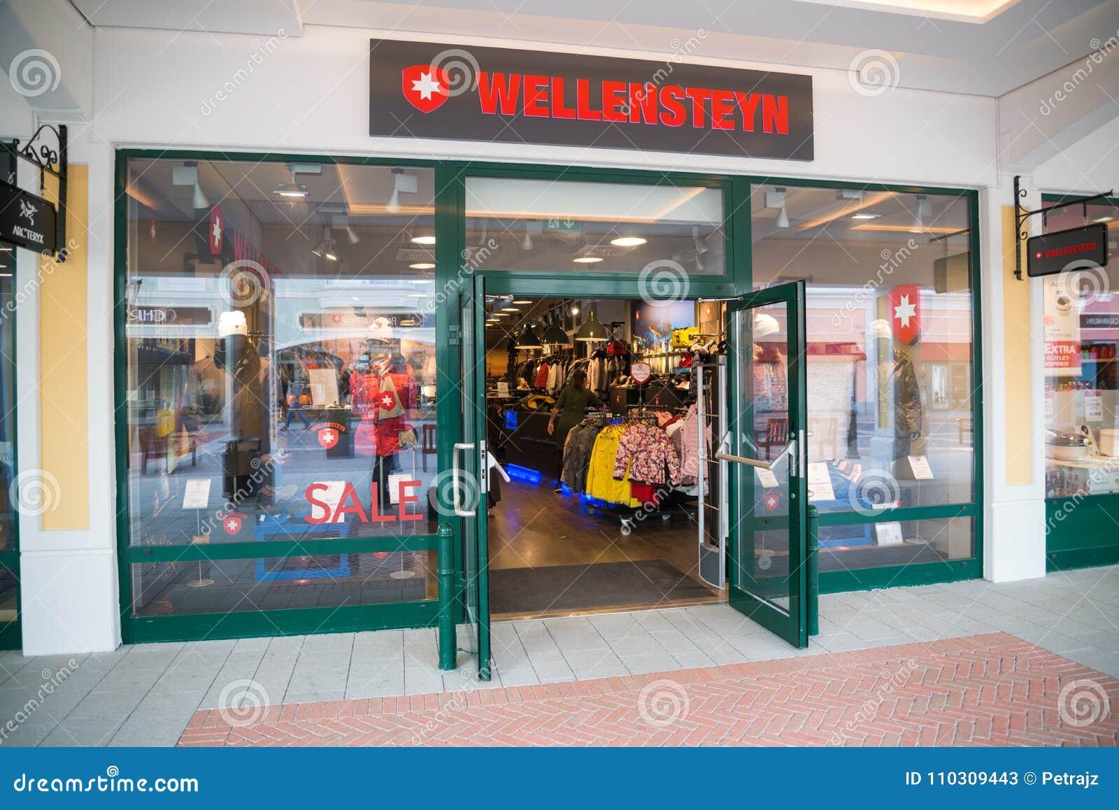 online hier guter Verkauf Angebot Wellensteyn Store In Parndorf, Austria. Editorial Stock ...