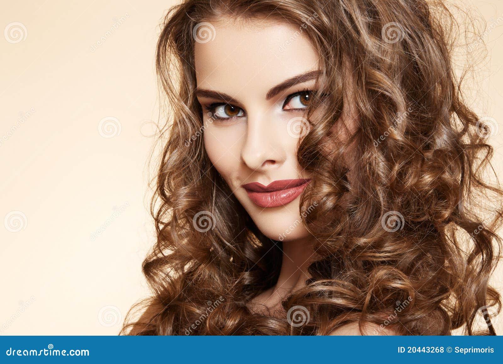 Beauty closeup portrait of pretty woman model with retro pinup make