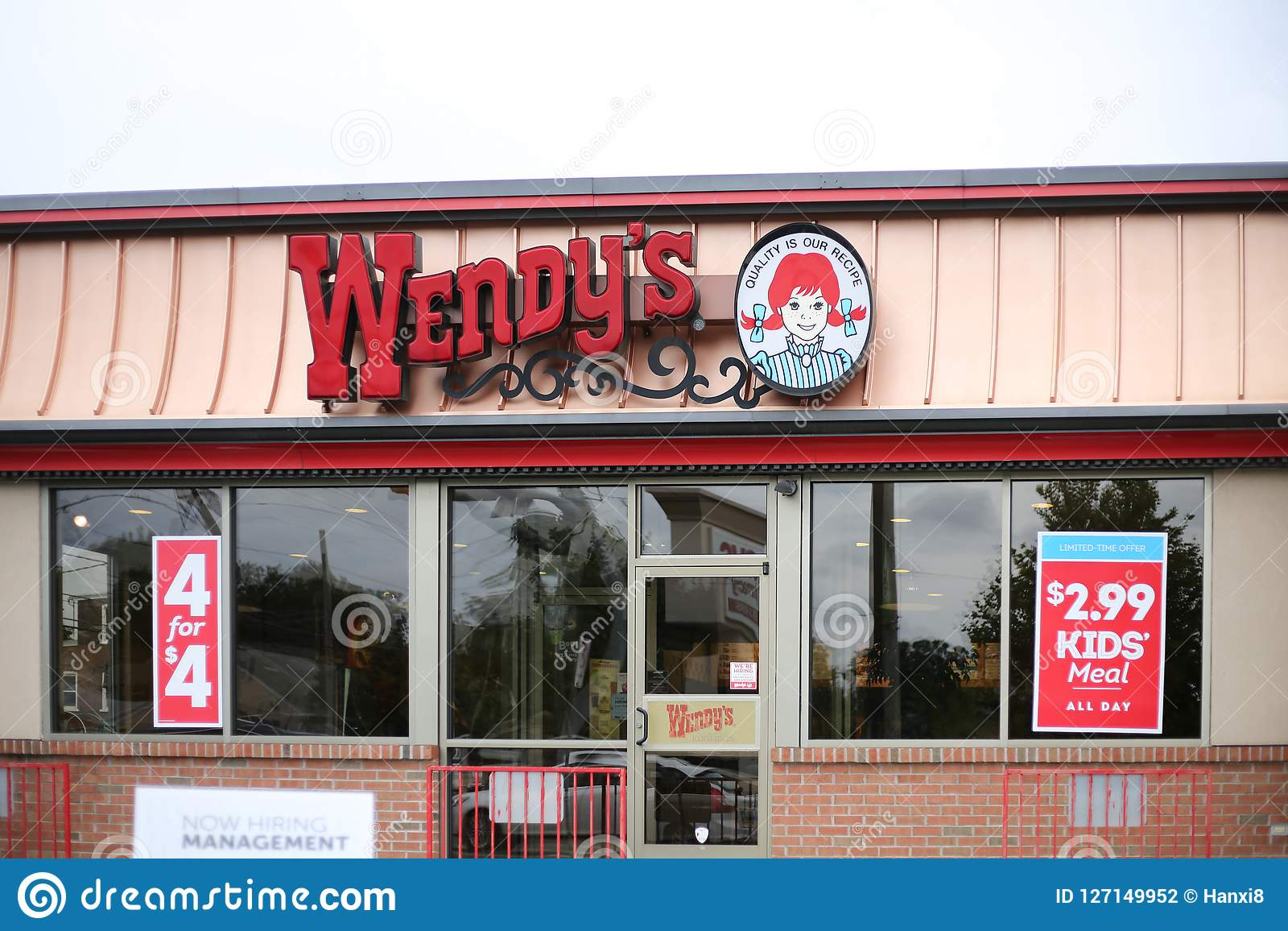 Wendy S Fast Food Restaurant Exterior And Sign Editorial Photography Image Of Food Eatery 127149952