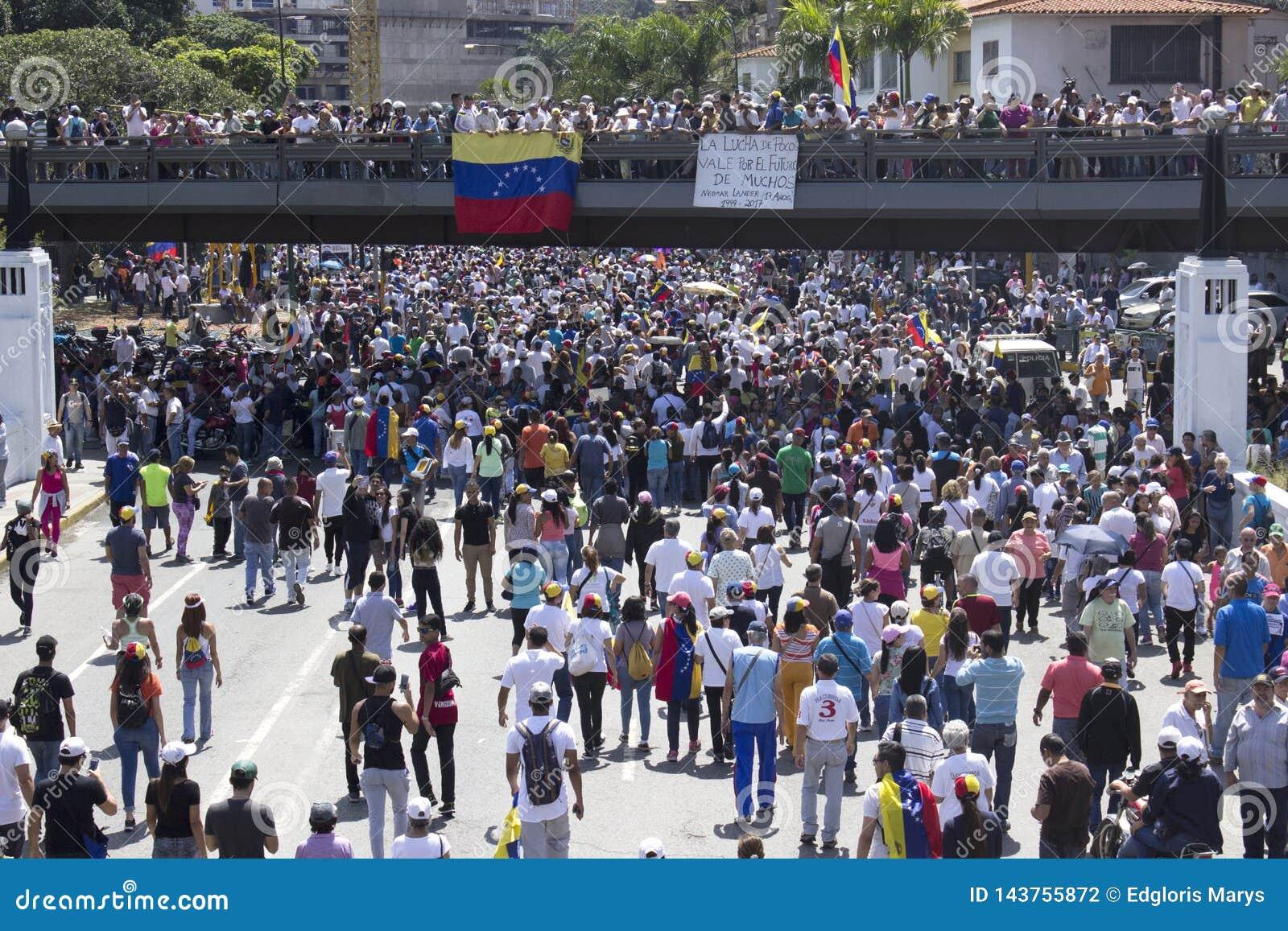 Wenezuela władzy cięcia: Protesty wybuchają w Wenezuela nad zaciemnieniem