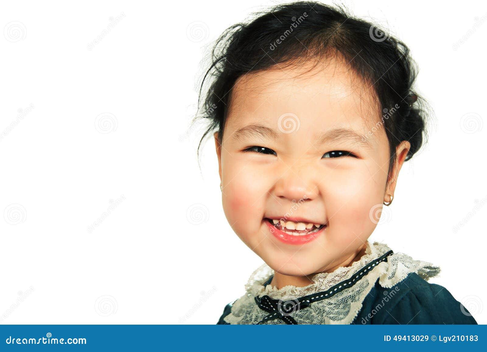 Download Wenig Schönes Asiatisches Mädchenlächeln Stockbild - Bild von hintergrund, konzepte: 49413029