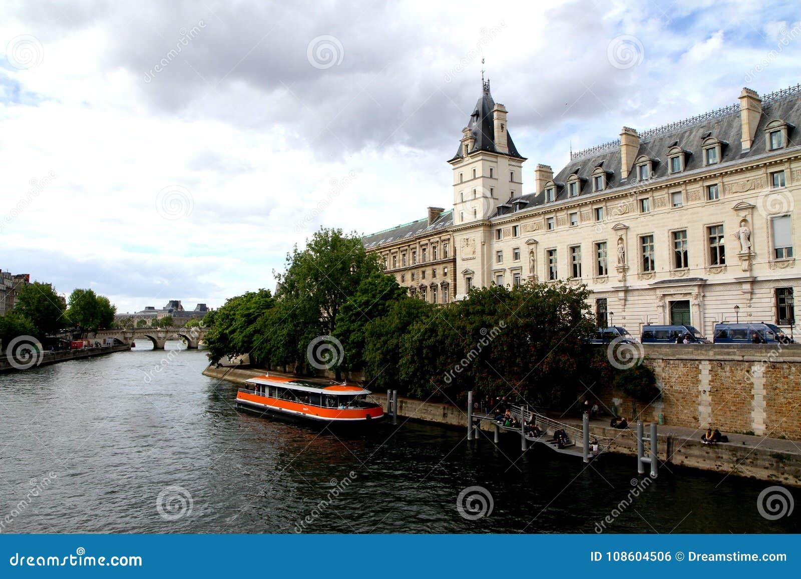 Wenn in Paris Ile De-La zitieren, beautifill Sein-Fluss