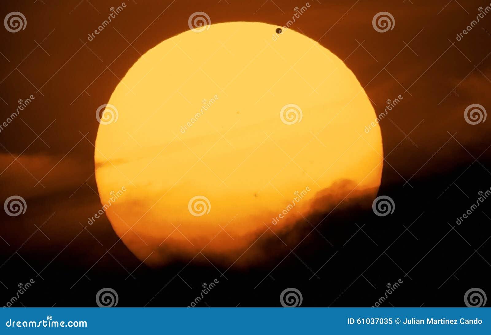 Wenus i słońce