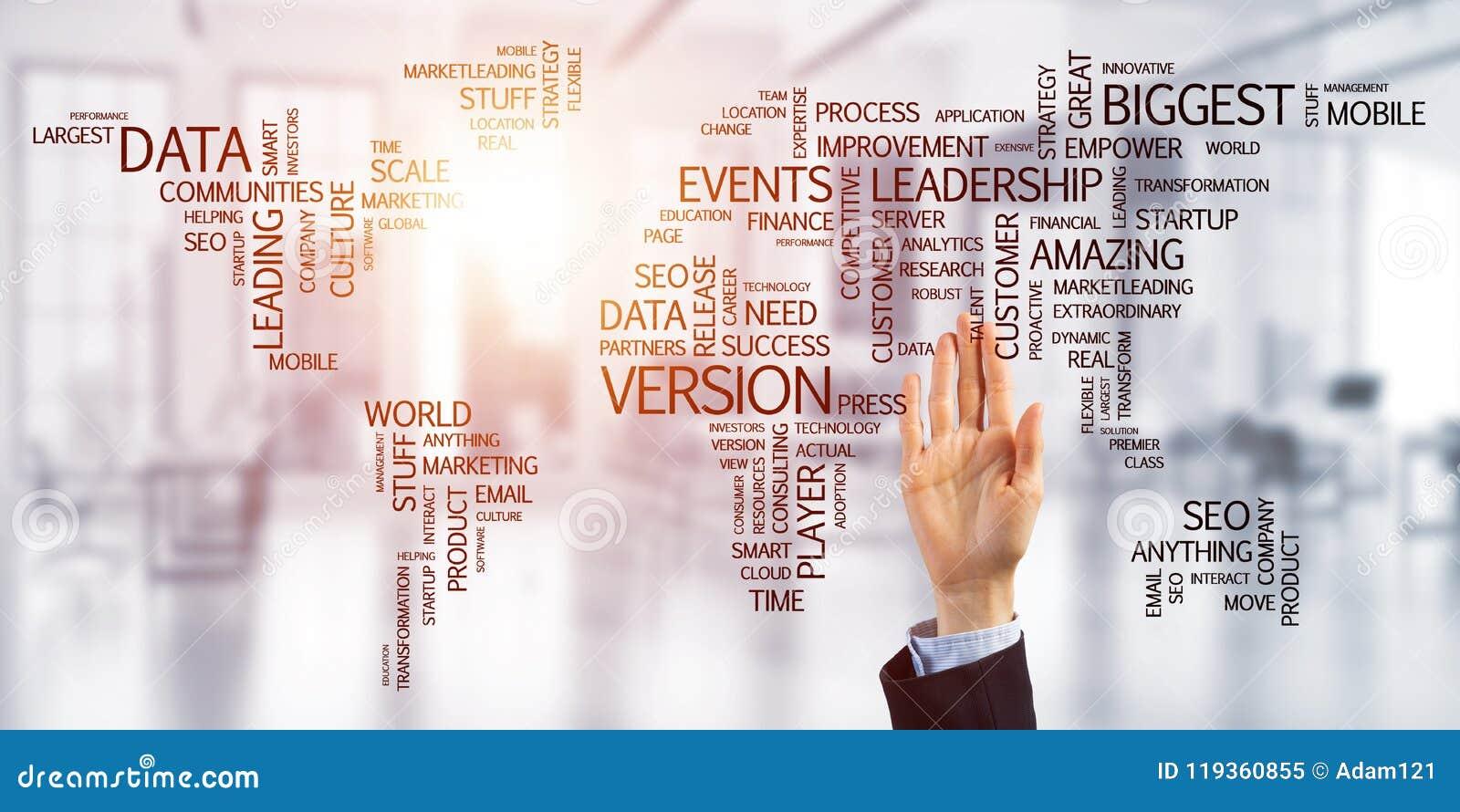 Wereldkaart in bureaubinnenland als symbool voor internationale zaken en globalisering